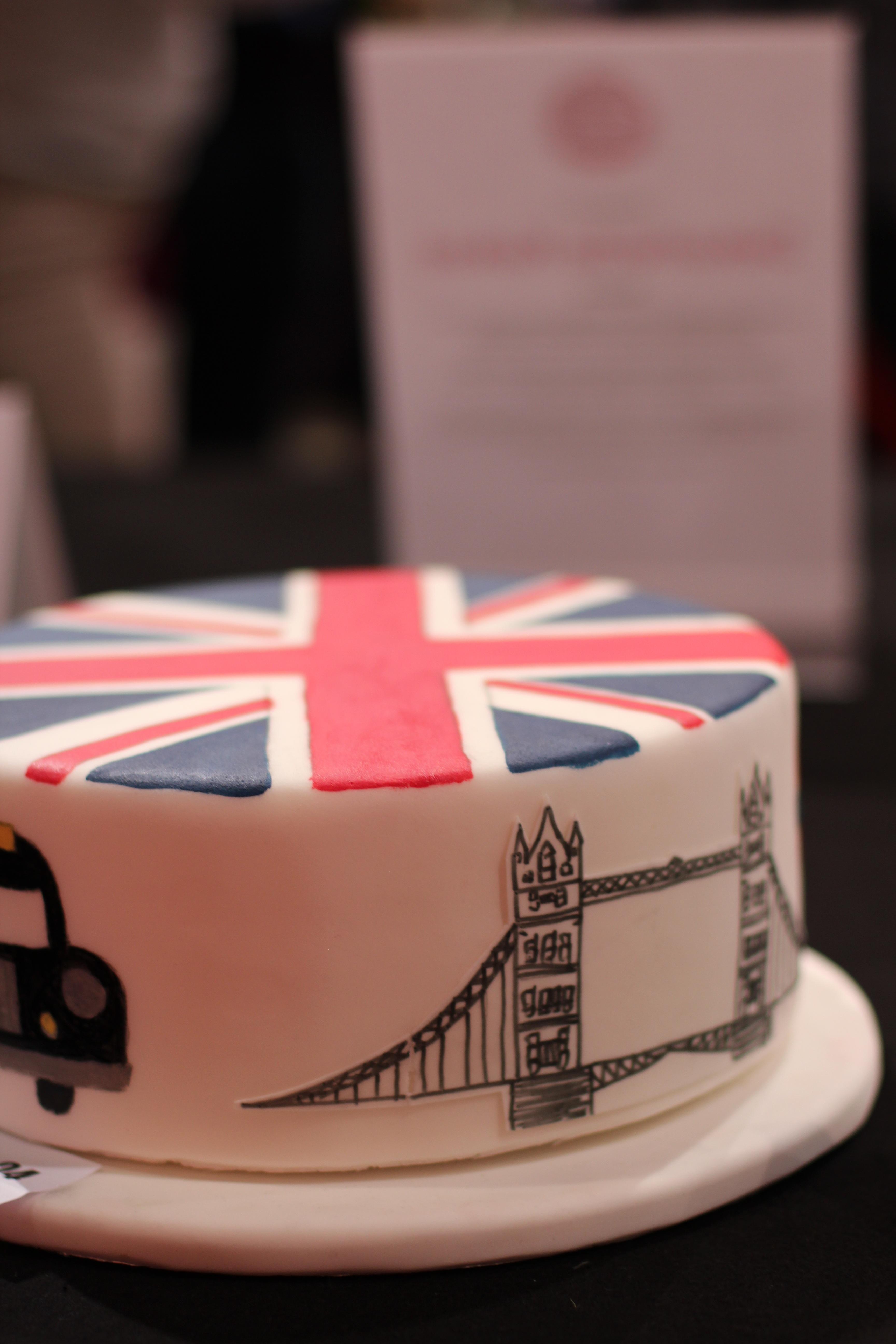 comida rojo postre pastel pastel de cumpleaos reino unido londres formacin de hielo caramelo grosbritano fiesta