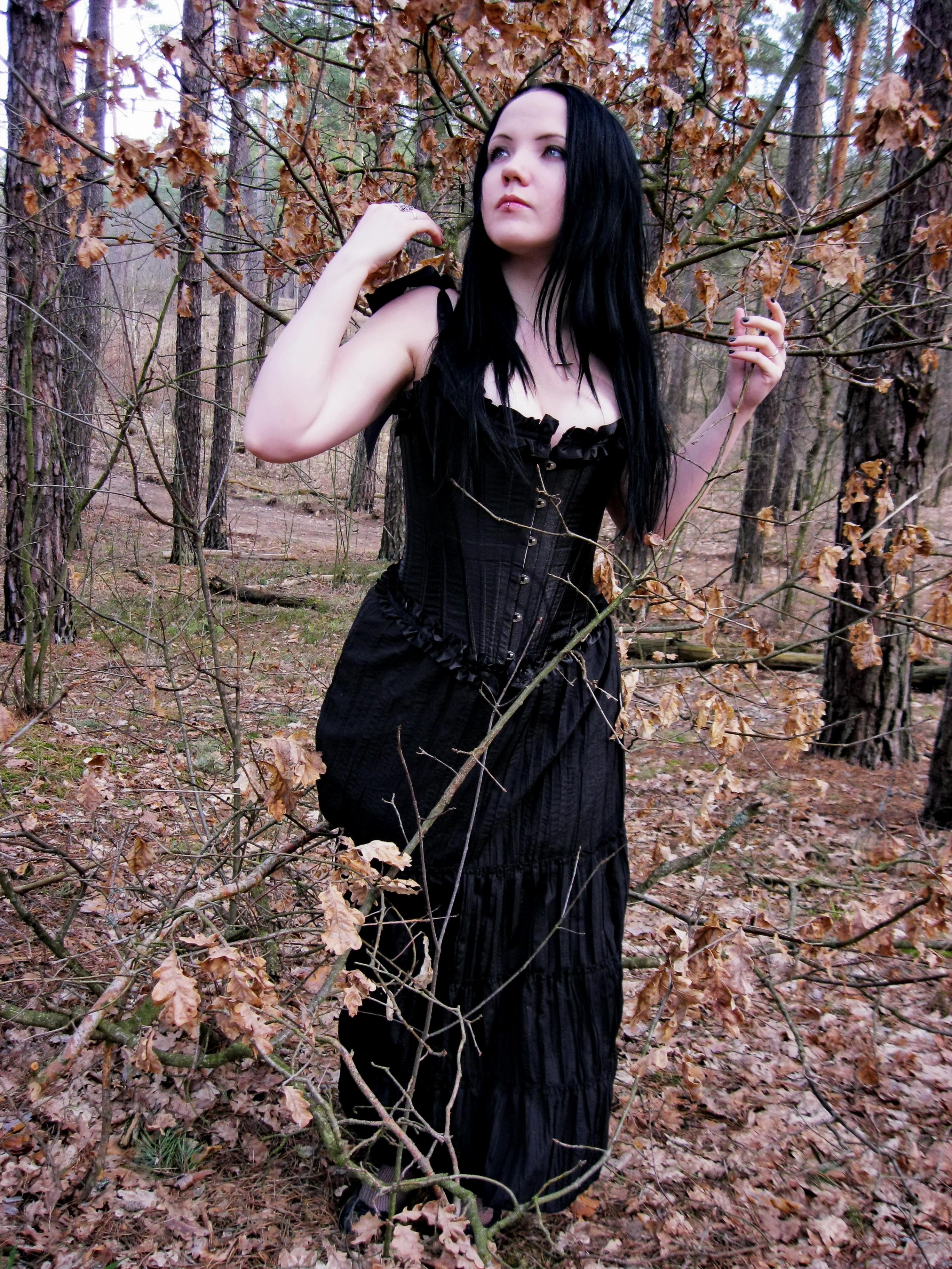 Fotos gratis : bosque, niña, mujer, flor, hembra, morena, modelo, joven, primavera, otoño, Moda ...