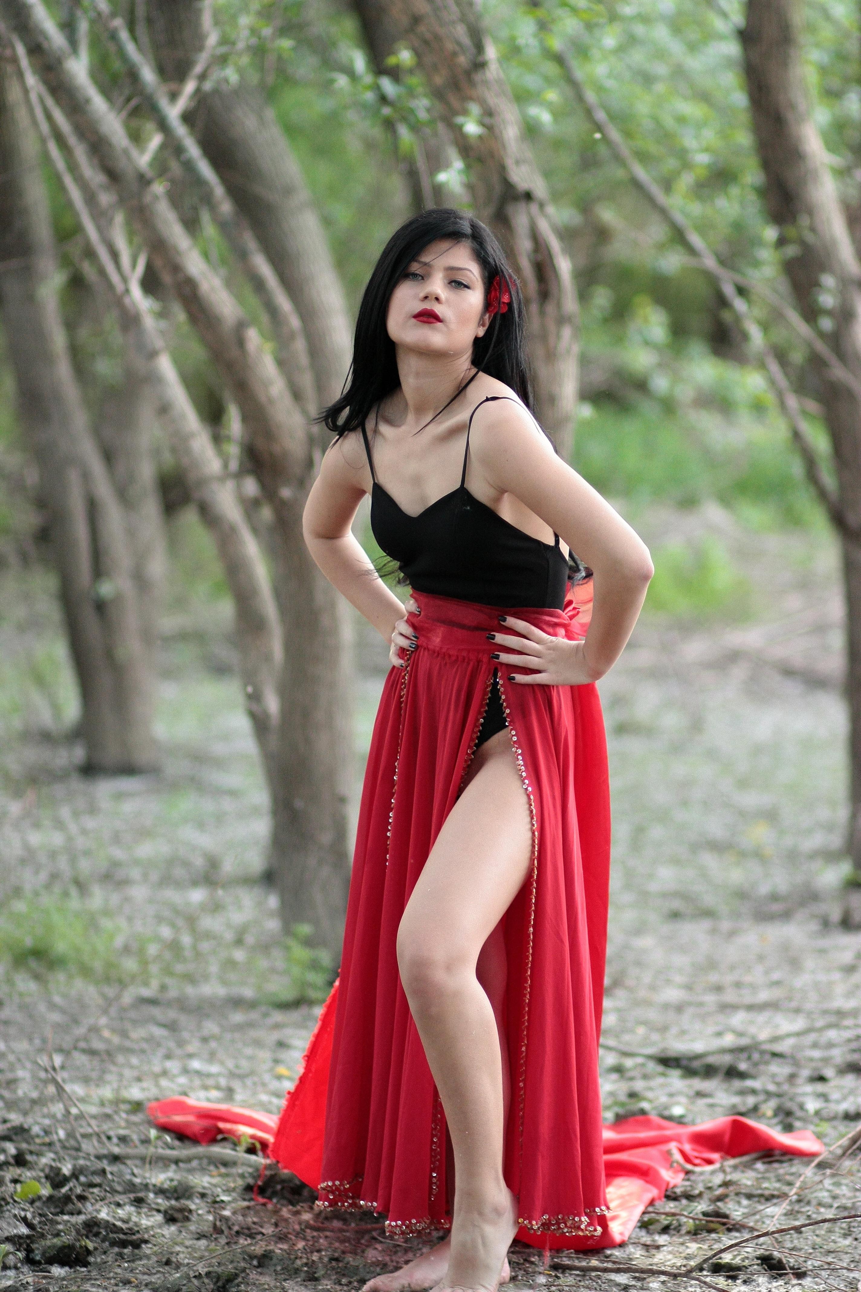 Free Images  Forest, Girl, Woman, Trunk, Leg, Brunette -2857