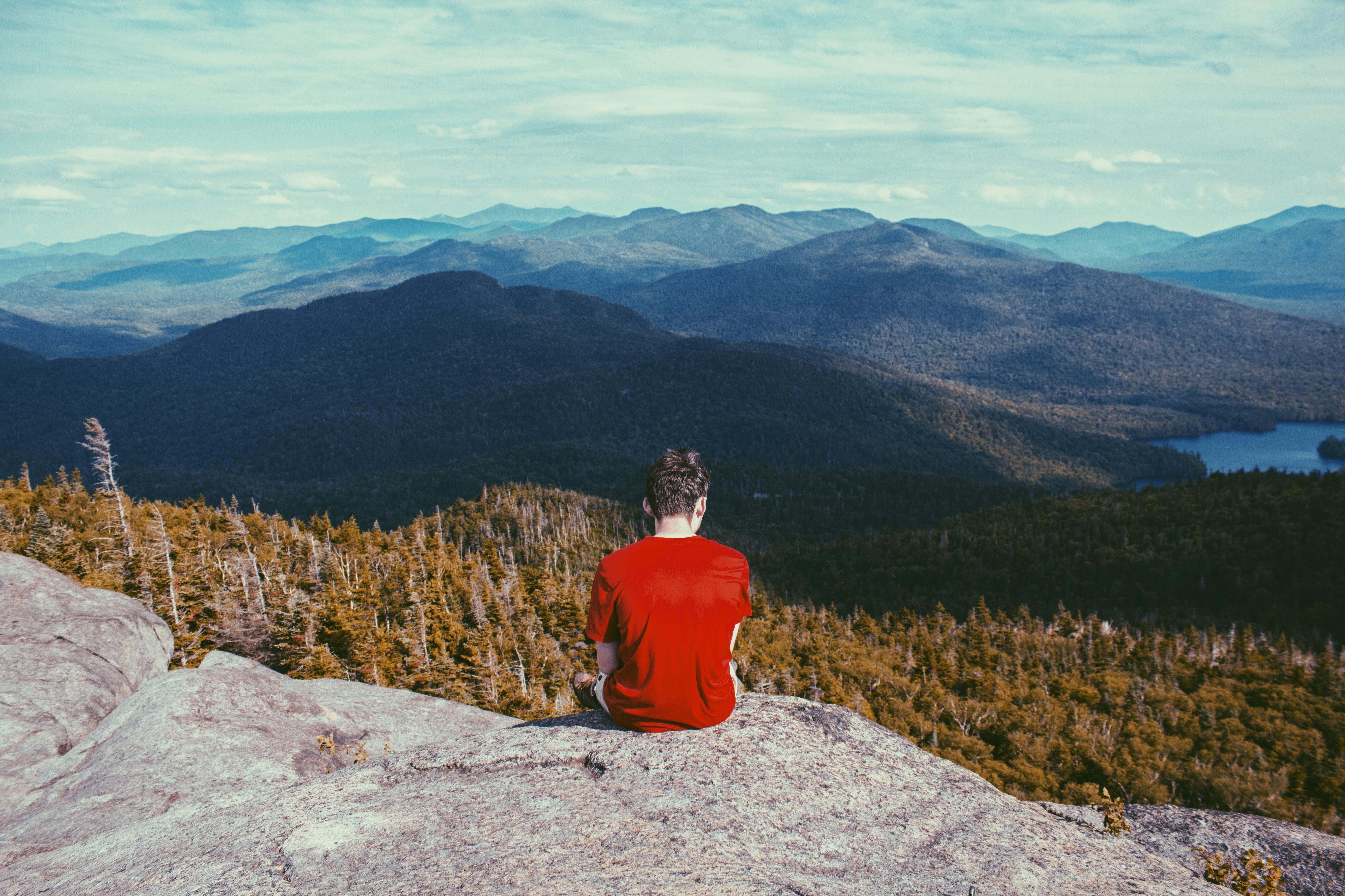 Картинки мальчик горы