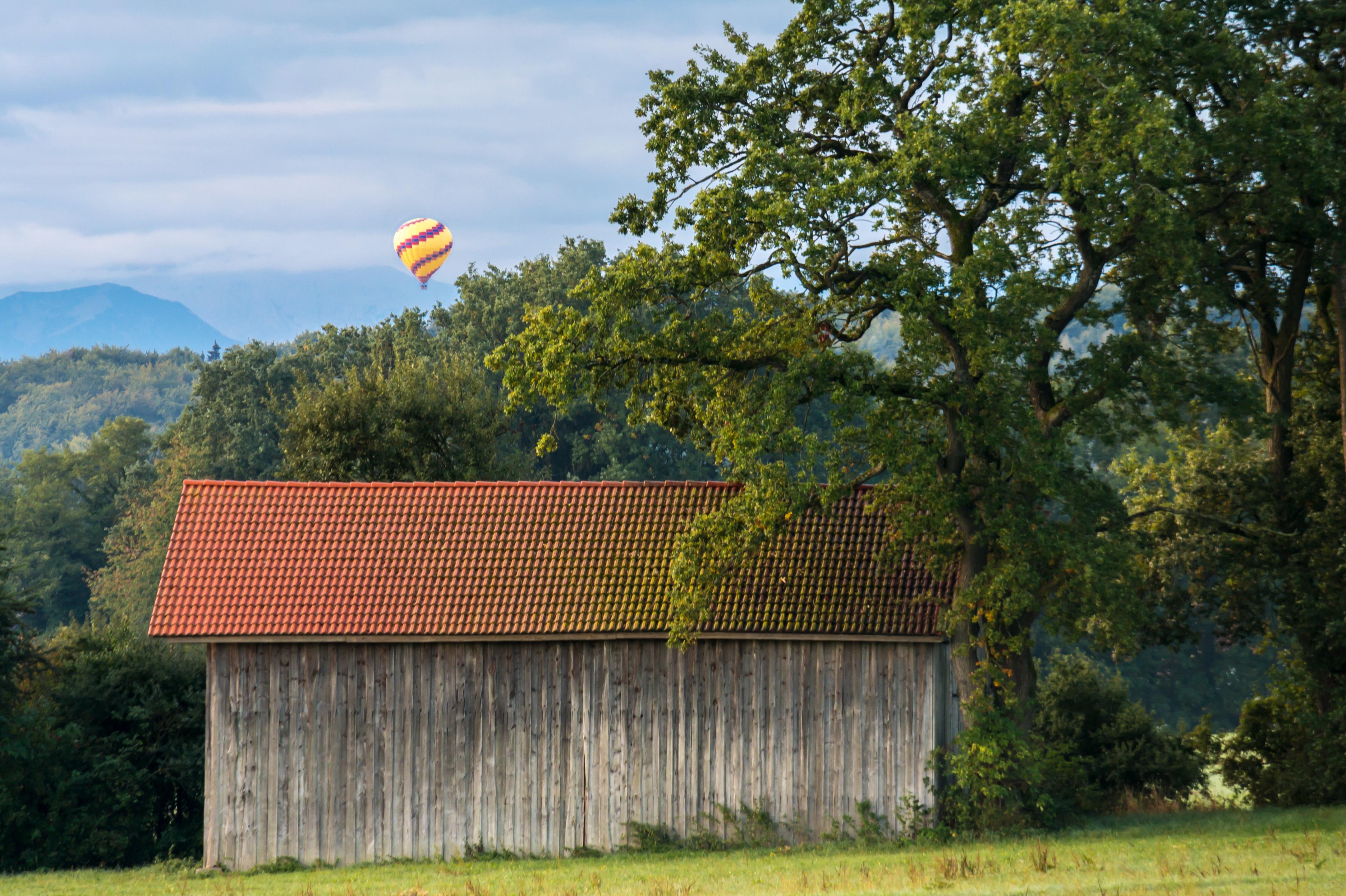 Kostenlose foto : Wald, Himmel, Bauernhof, Wiese, Haus ...