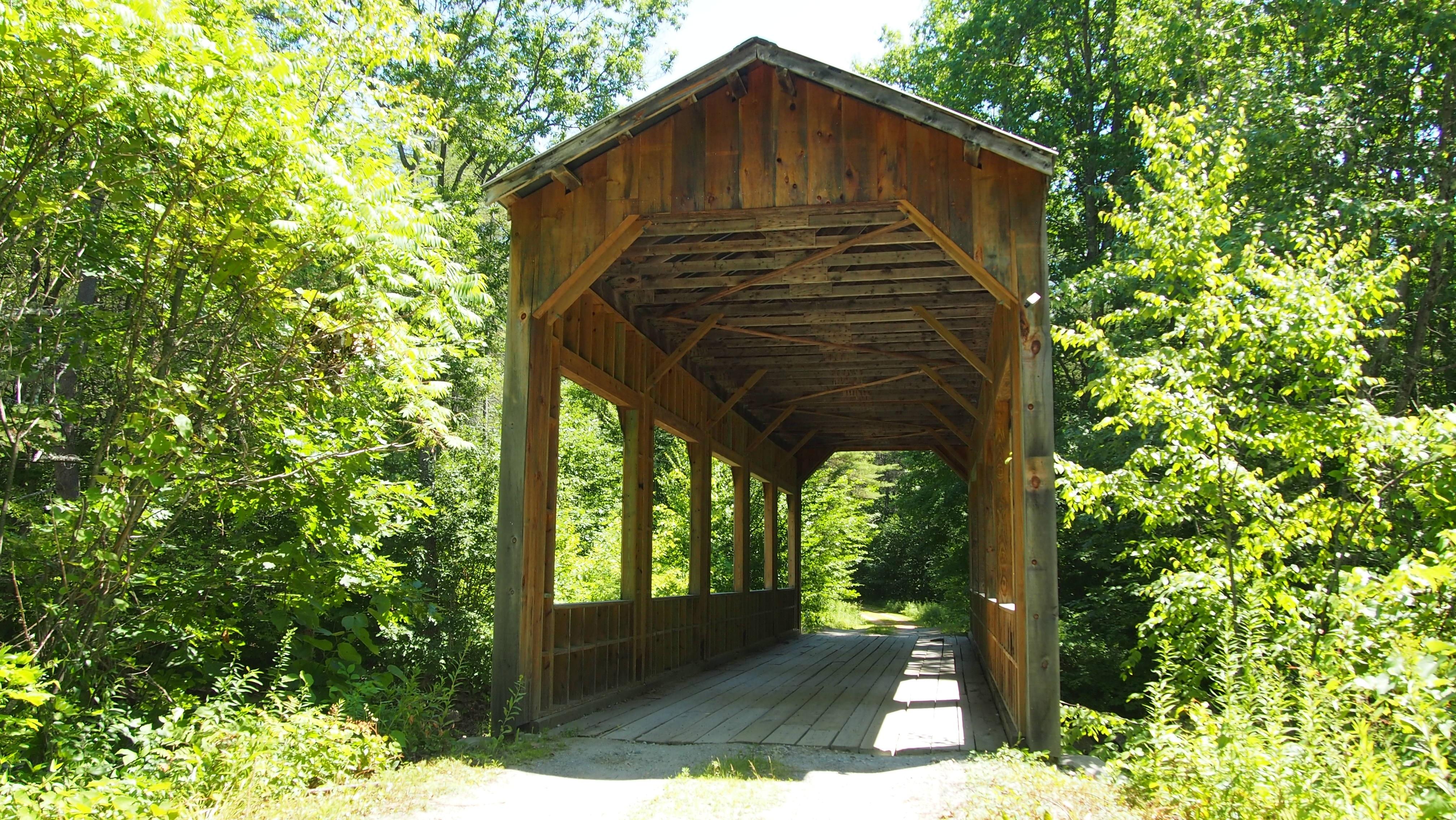 Fotos gratis : bosque, madera, puente, edificio, cabaña, Estados ...