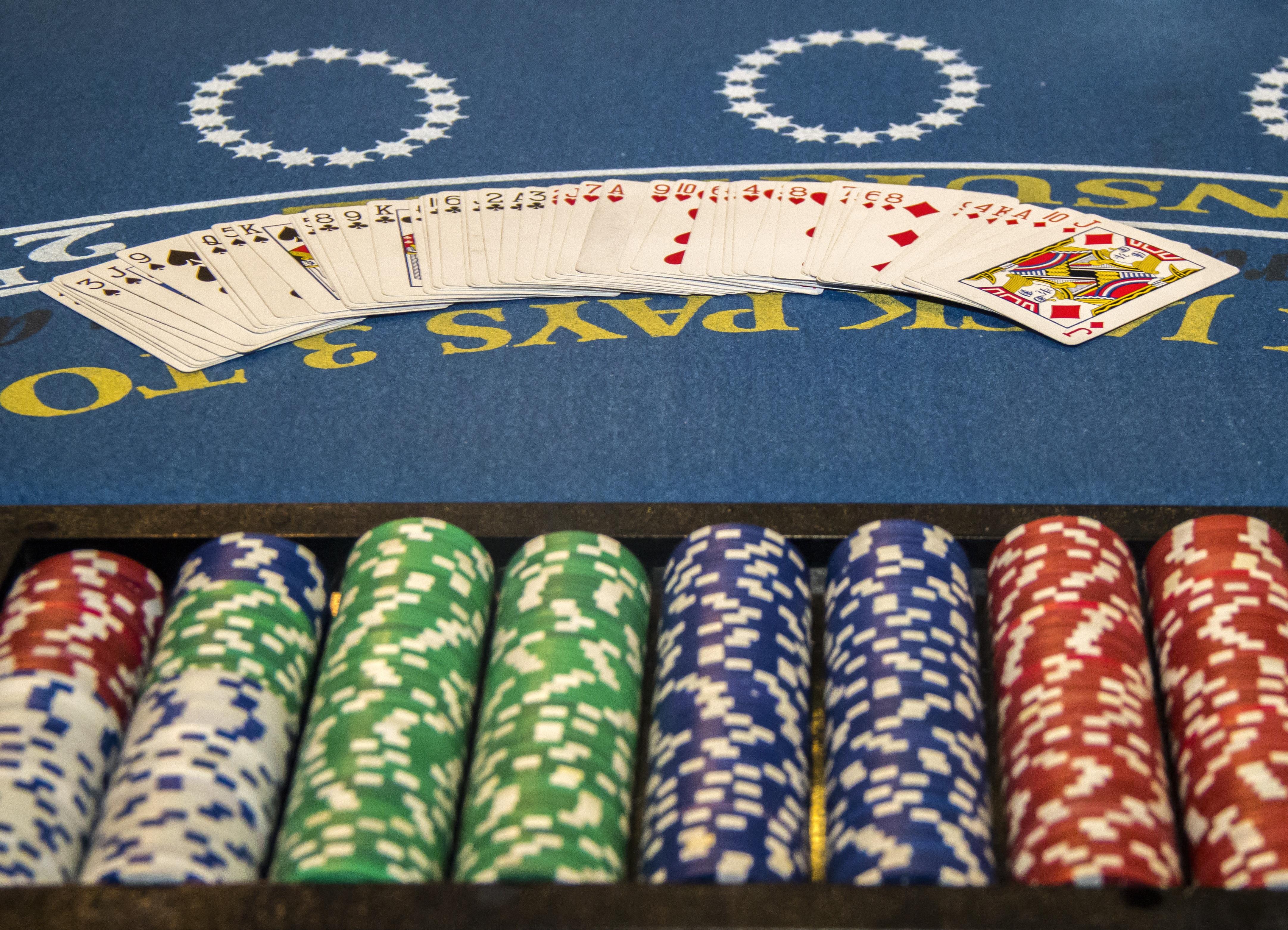 Покер азартные игры и жизнь можно ли взломать интернет казино