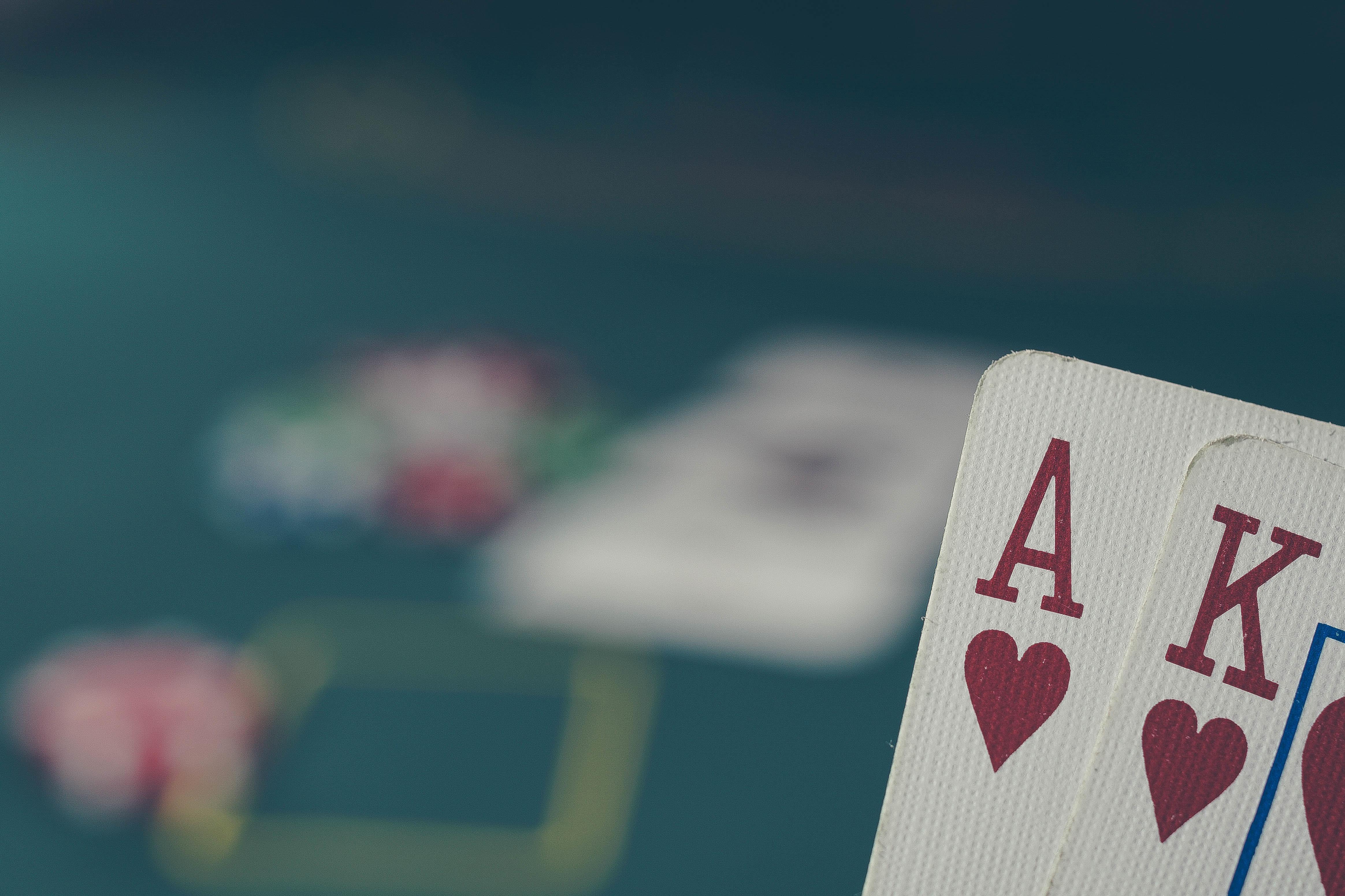 Gambar Pertandingan Teks Perjudian Permainan Kartu Fon Langit Rekreasi Poker Merah Tua Awan Jumlah Simbol Cinta 4656x3104 1612183 Galeri Foto Pxhere