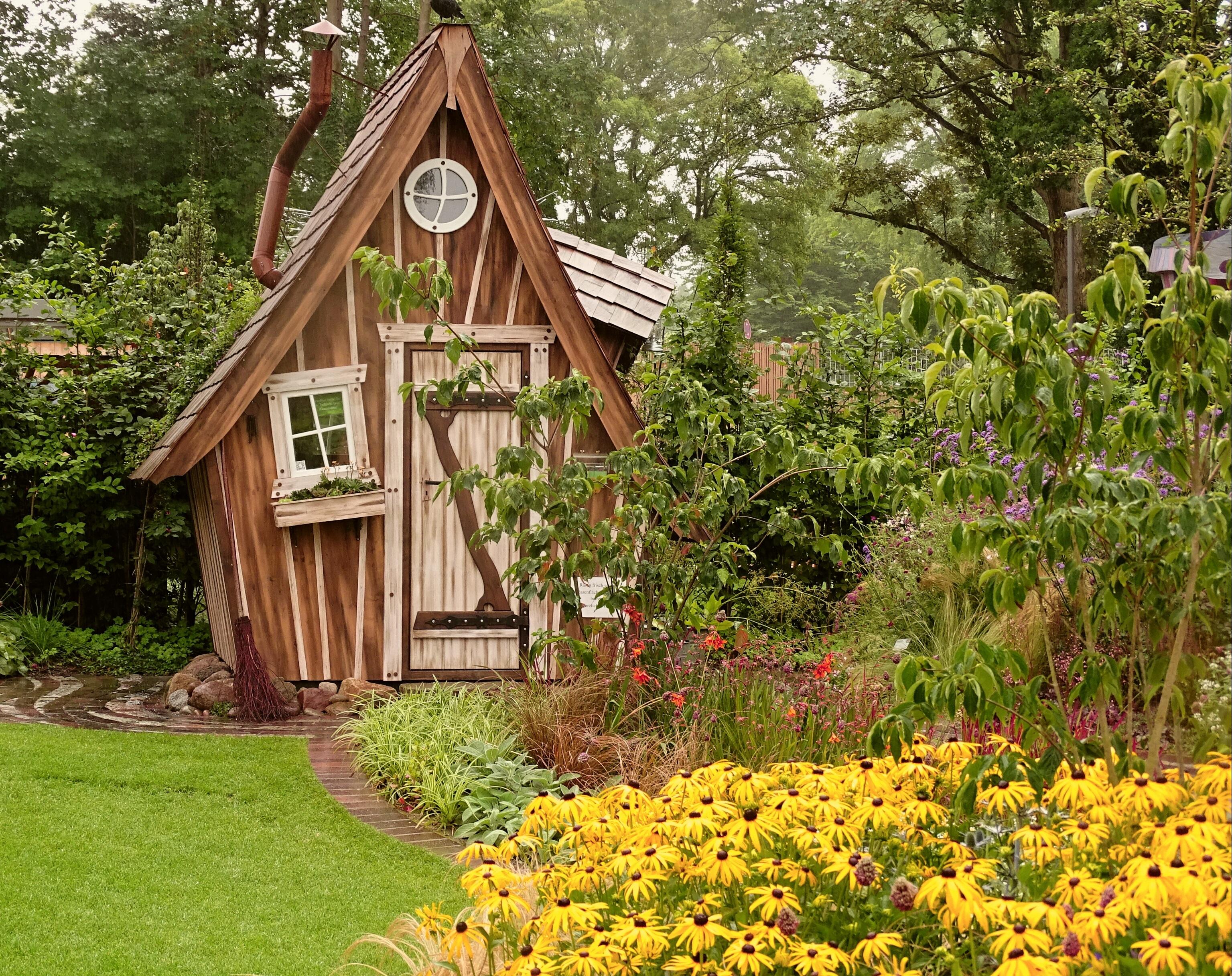 images gratuites abri de jardin attribution maison romantique vacances d co chalet. Black Bedroom Furniture Sets. Home Design Ideas