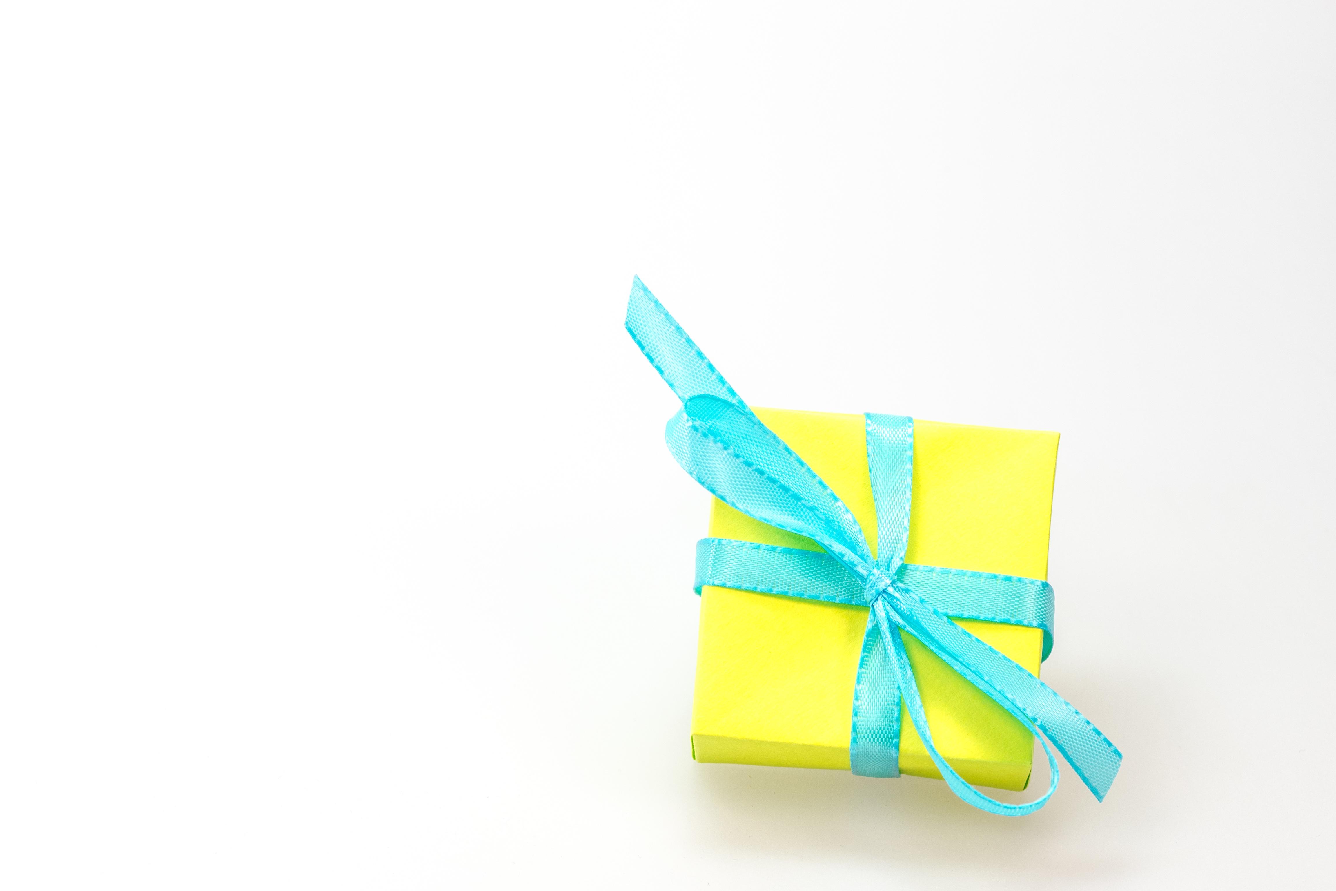 embalaje cumpleaos lazo hecho lleno dar saludos sorpresa embalaje de regalo feliz navidad compras de navidad papel de origami x
