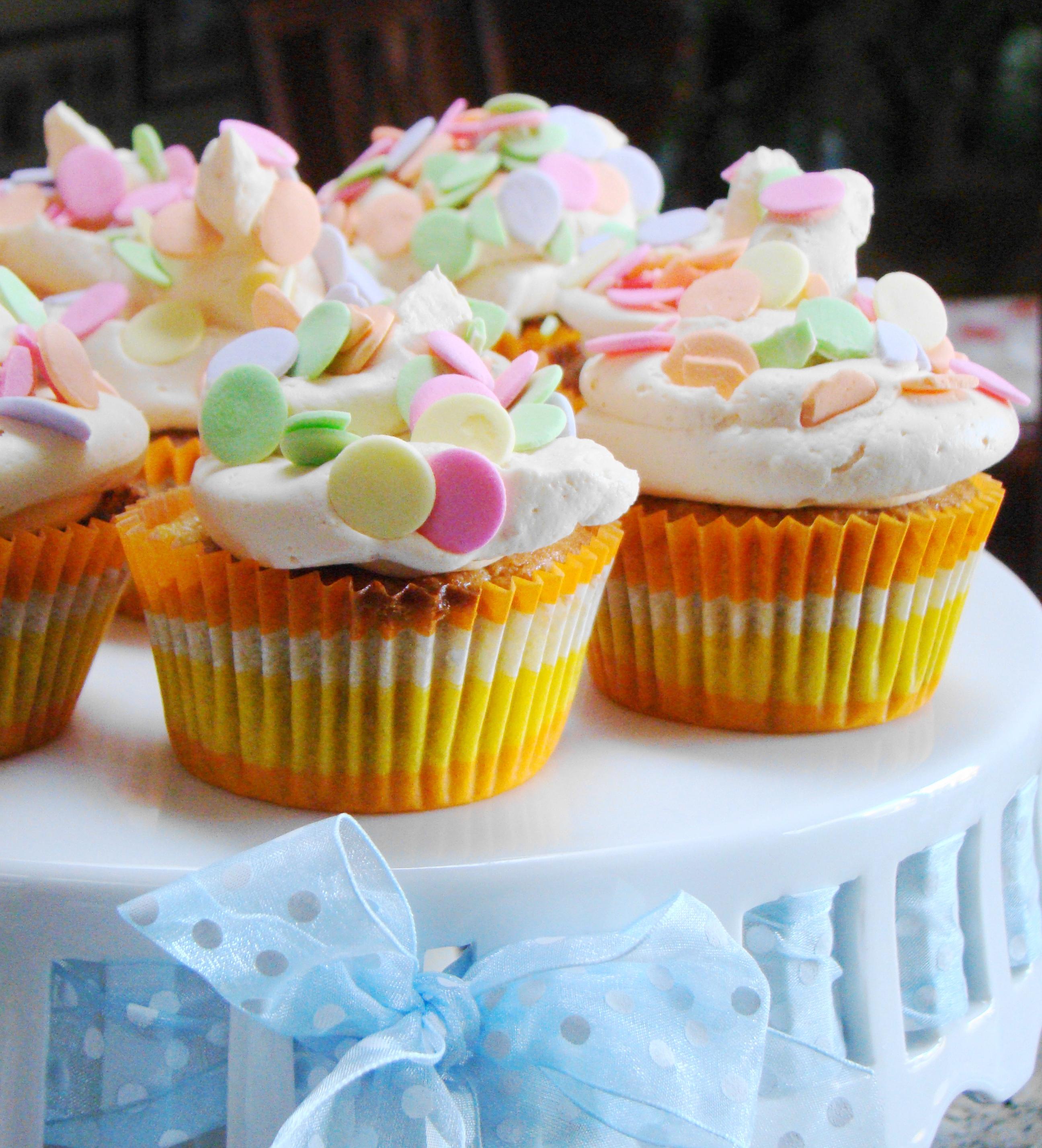 Free images ginger cupcakes cupcake buttercream baking whipped cream muffin cake - Creme decoration cupcake ...