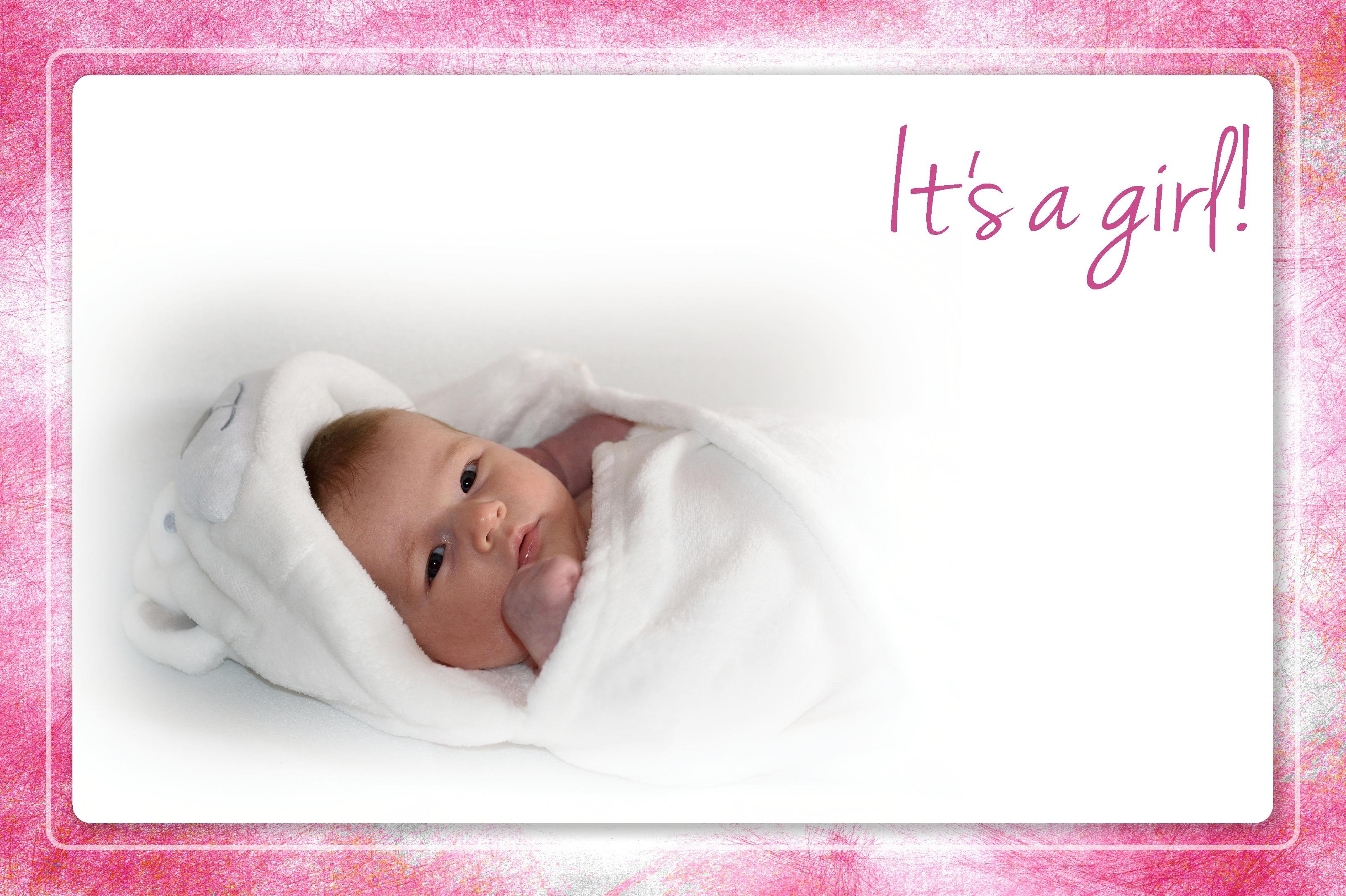Открытка с новорожденным малышом