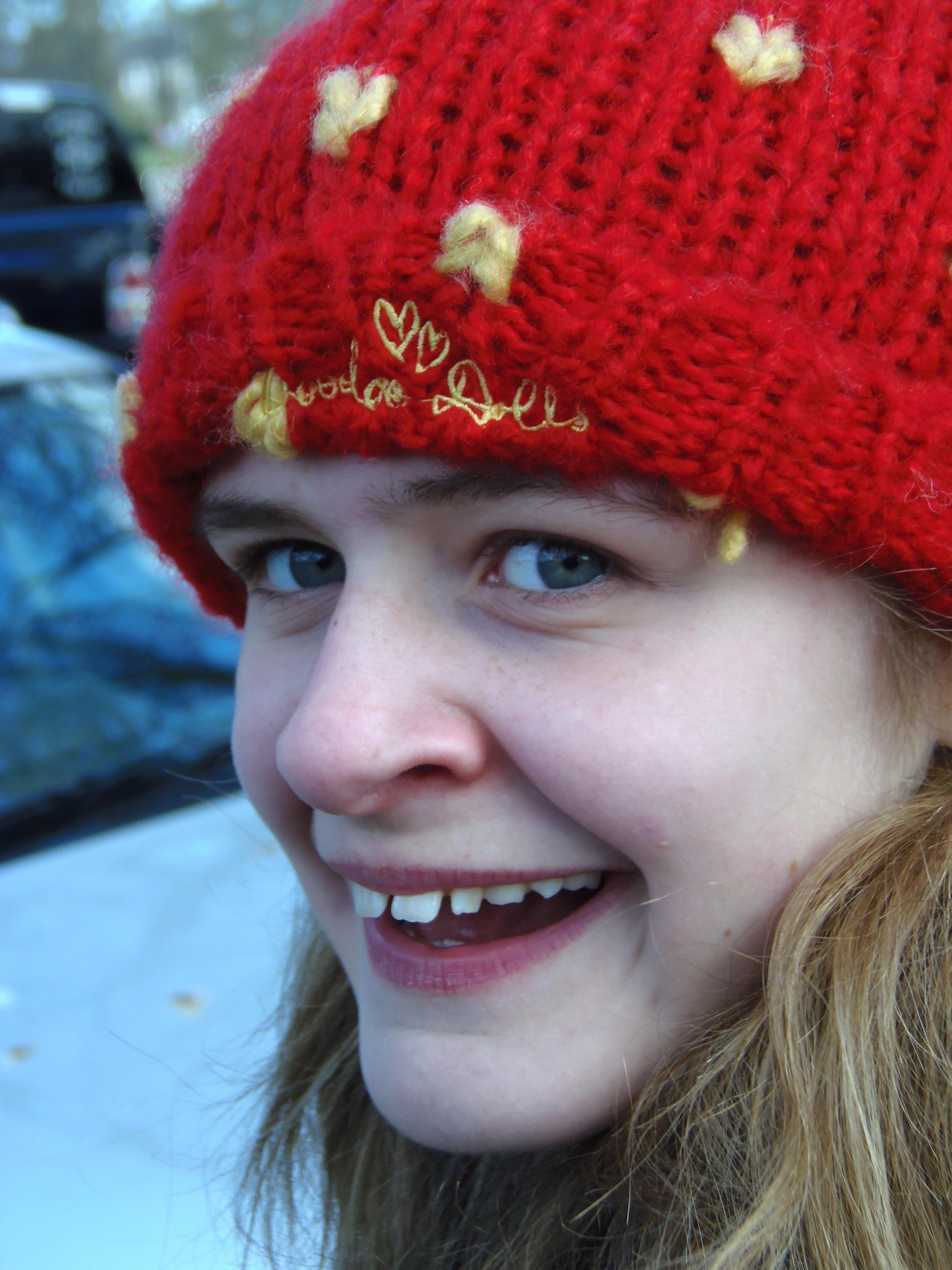 Fotos gratis : niña, hembra, retrato, rojo, niño, sombrero, ropa ...