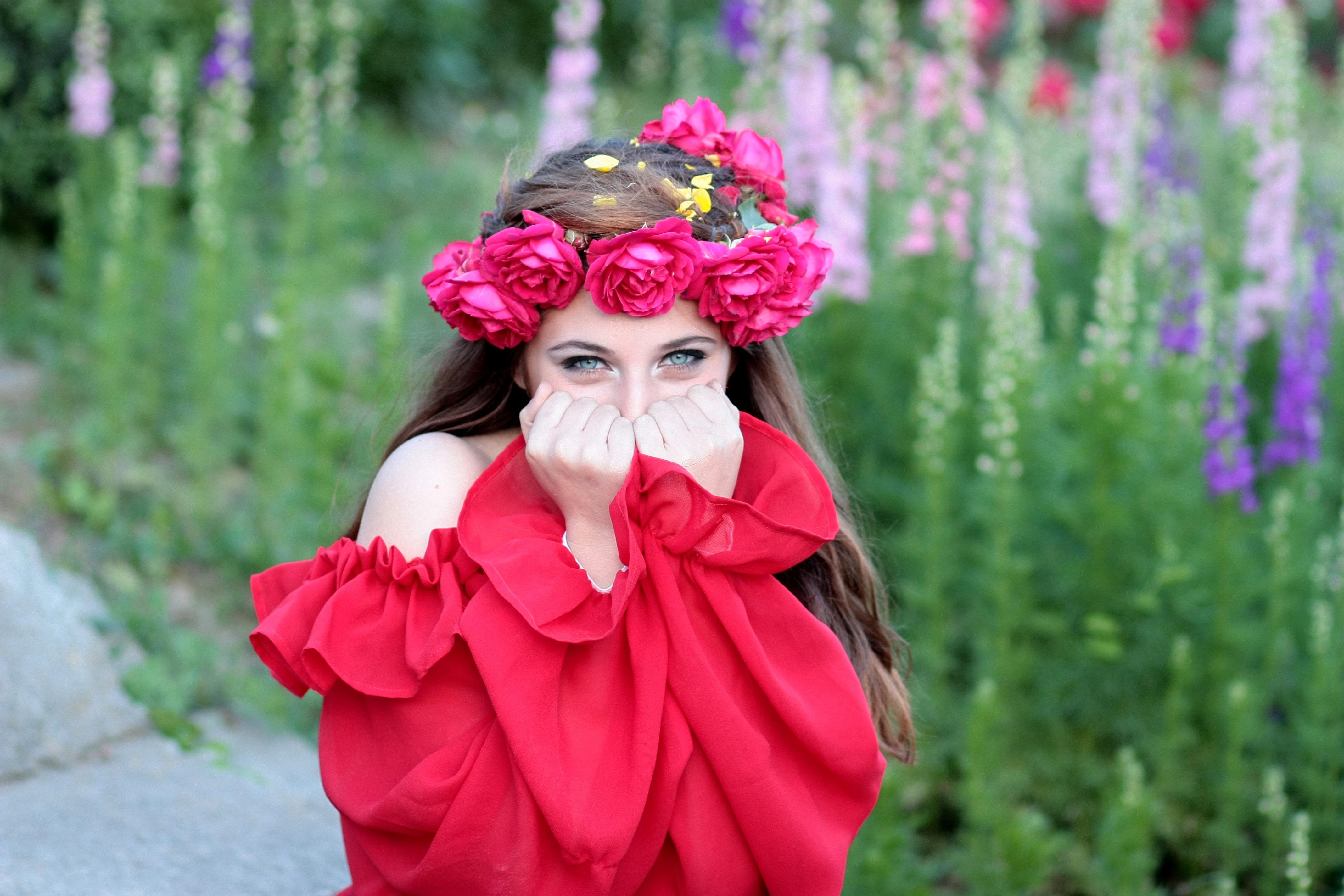 girl flower spring red wreath flowers roses beauty costume & Free Images : girl flower spring red wreath flowers roses ...