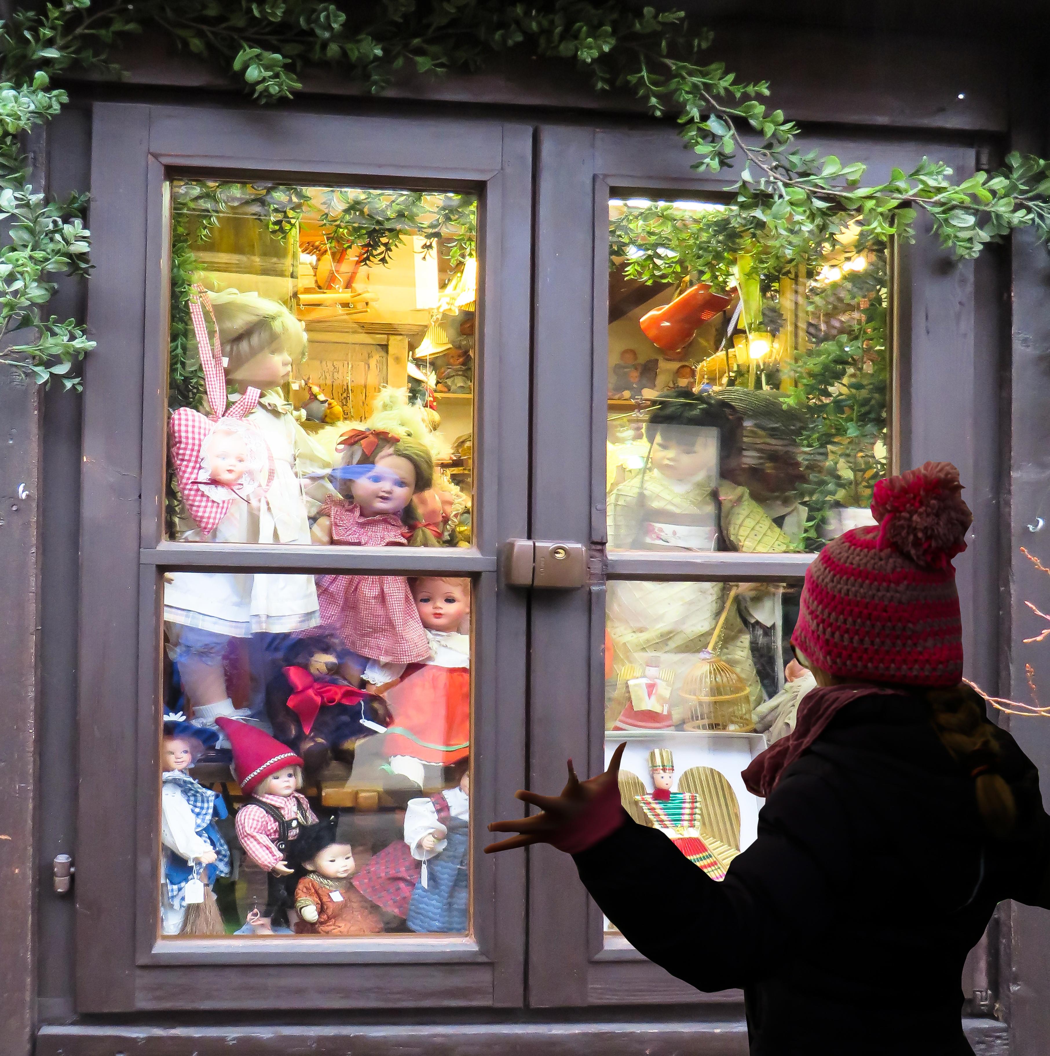 Fotos gratis : niña, flor, color, niño, compras, muñeca, art ...