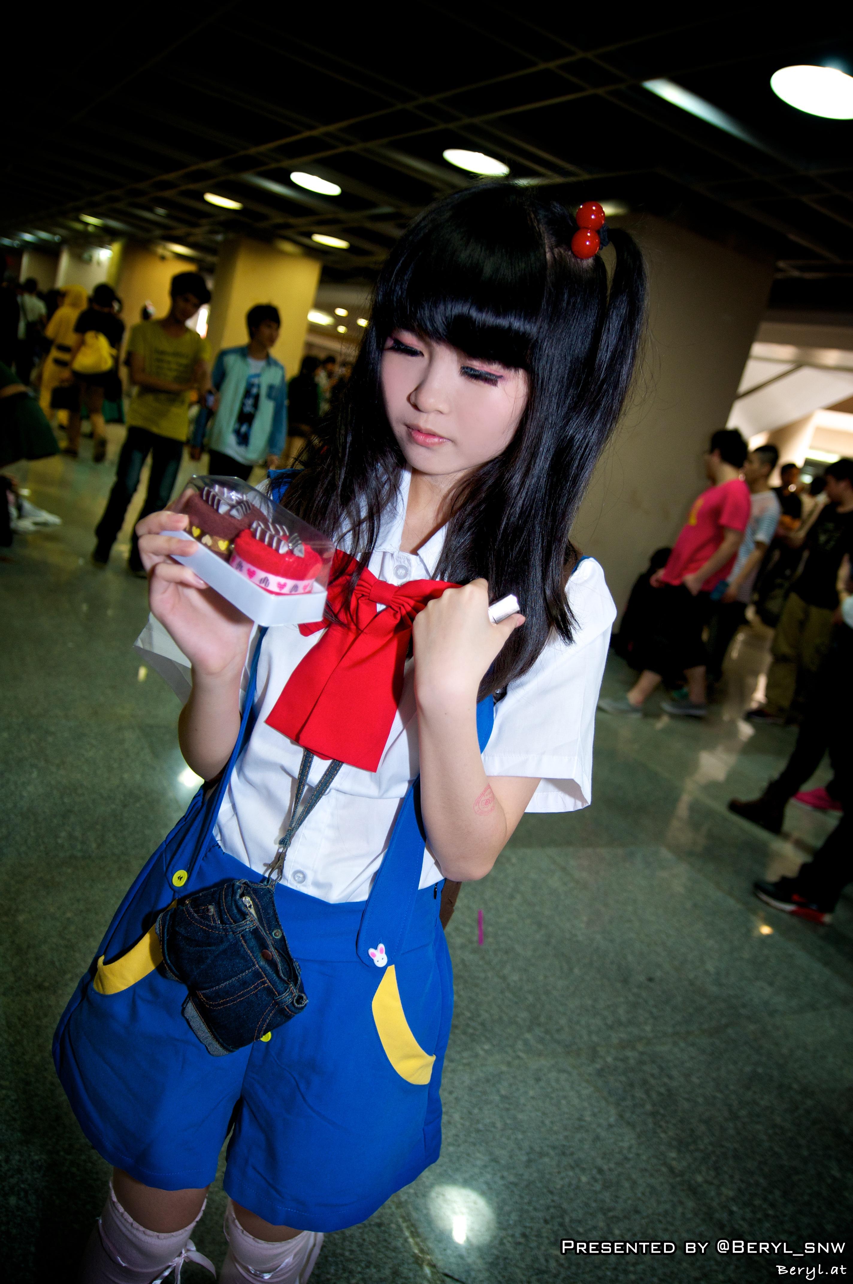 Gambar Gadis Permainan Imut Pakaian Cosplay Jepang Kostum