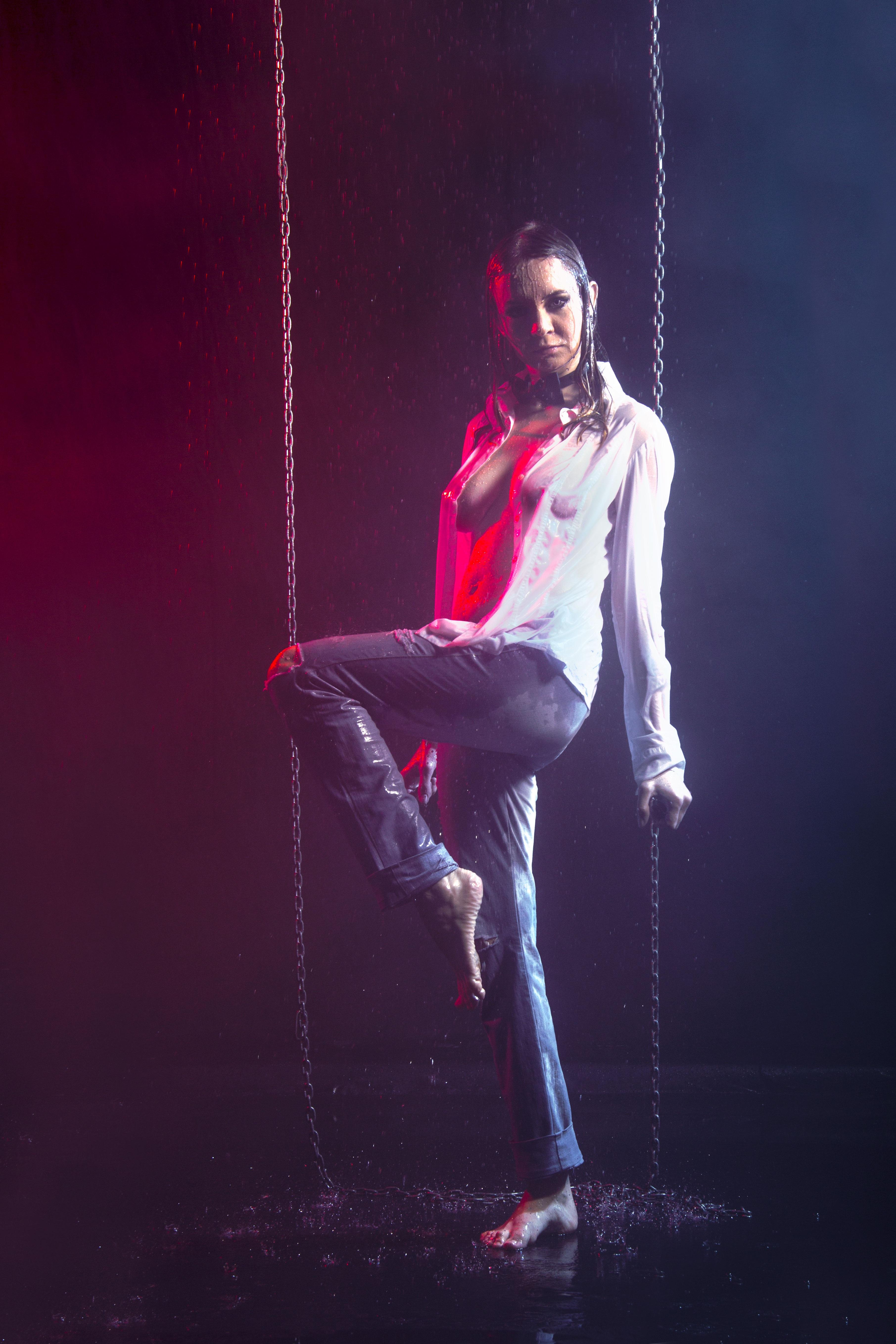 nude acrobatics