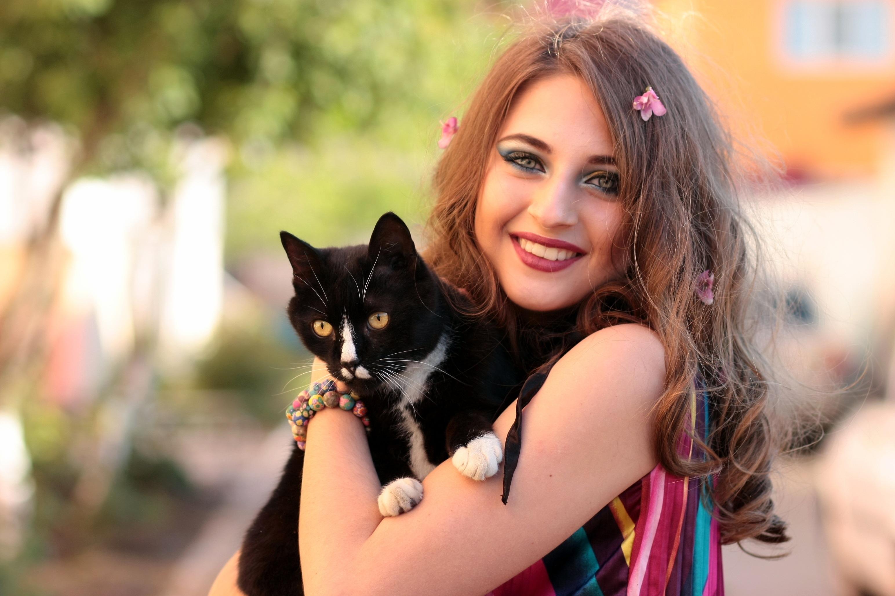 Μαύρη γάτα λεσβία