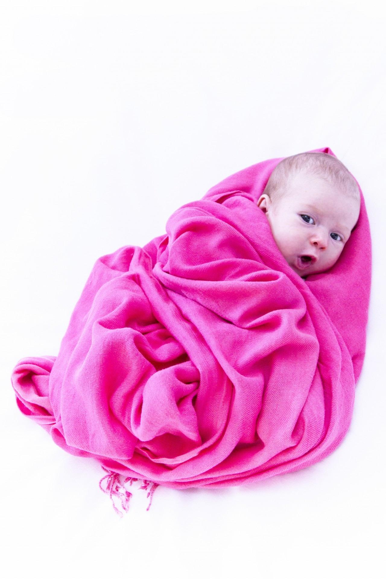 Fotos gratis : niña, pétalo, linda, niño, ropa, rosado, bebé, textil ...