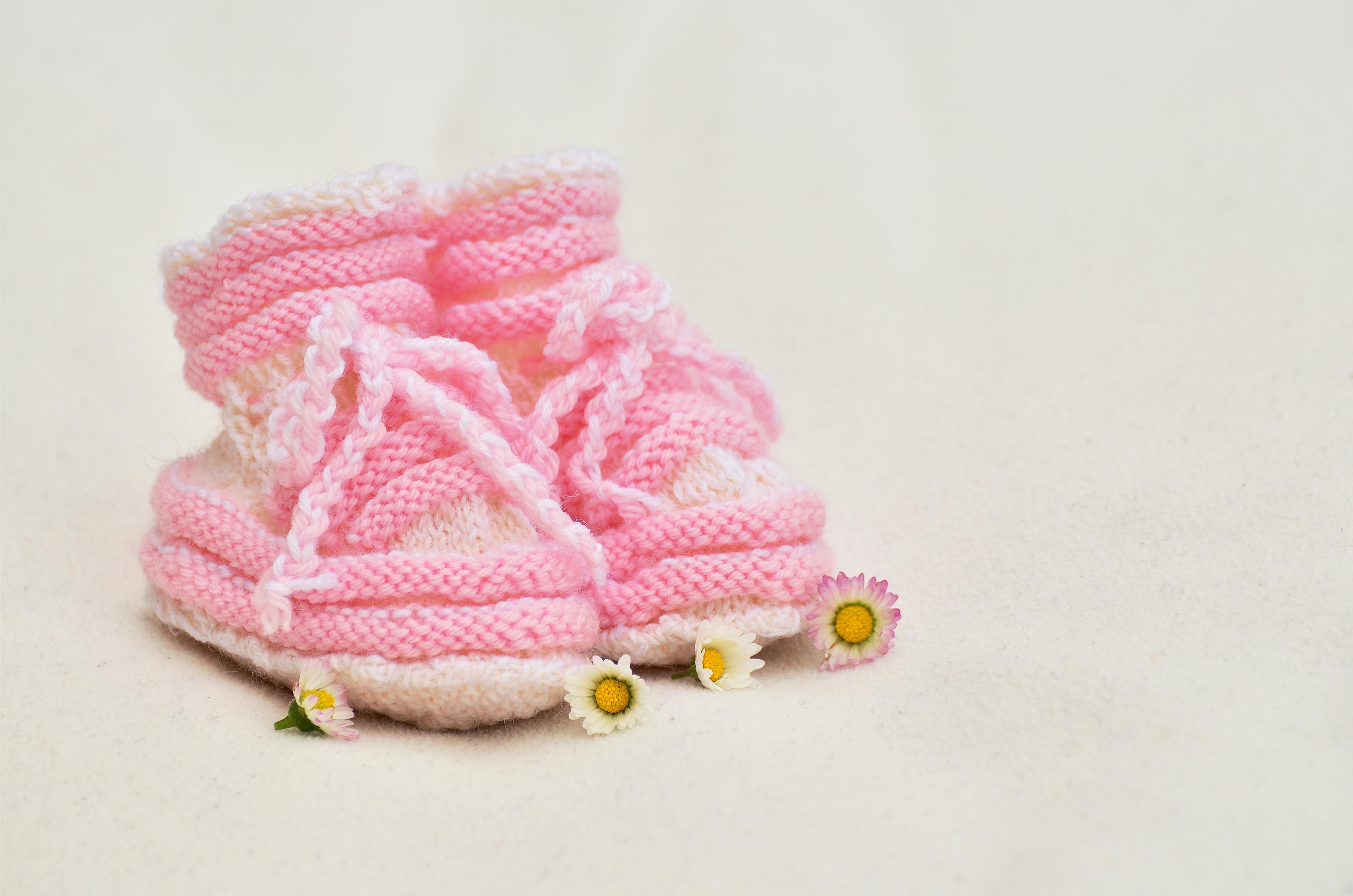 Fotos gratis : niña, pétalo, regalo, patrón, ropa, tejer, rosado ...