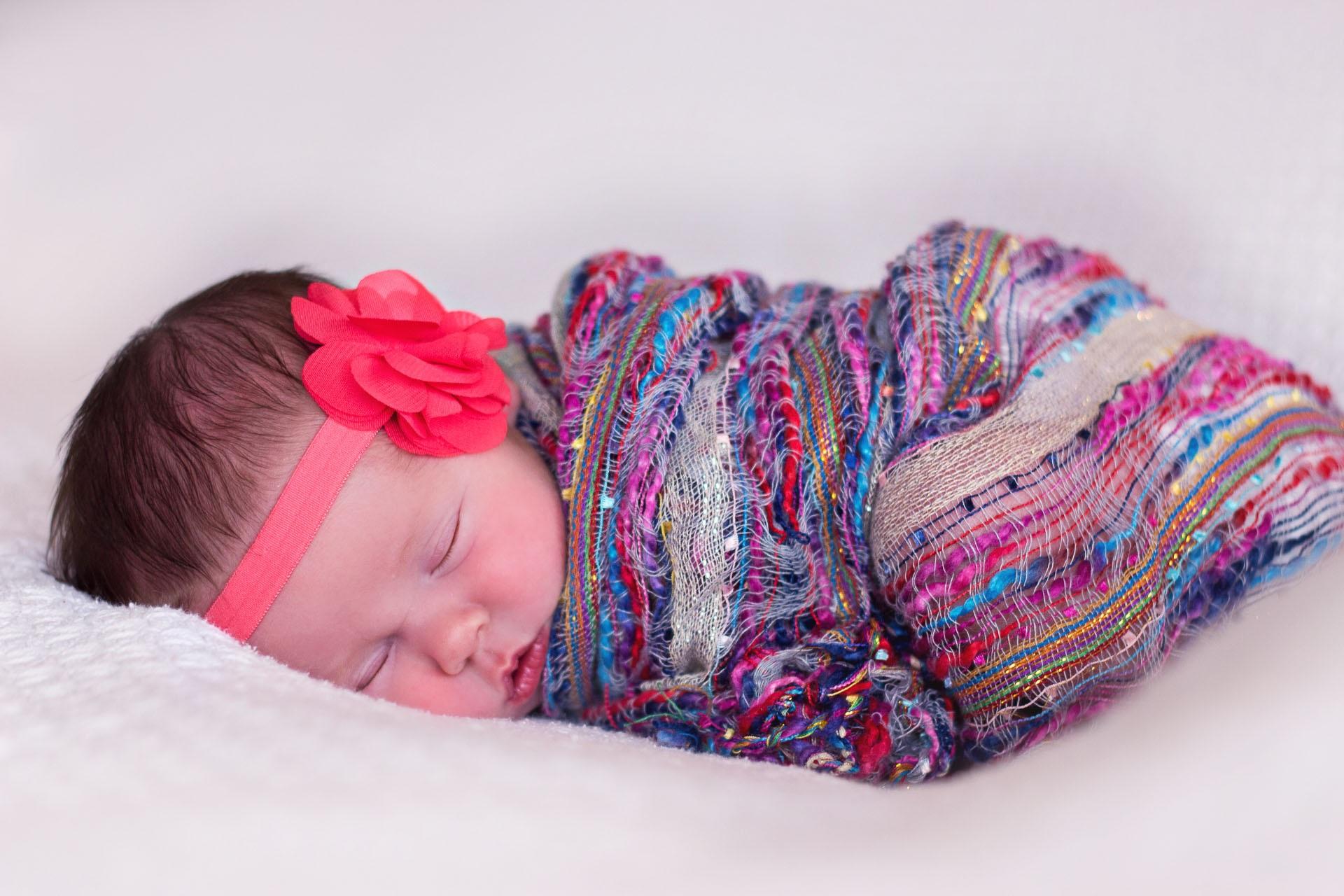 Kostenlose foto : Mädchen, Blütenblatt, Muster, Schlafen, Kleidung ...
