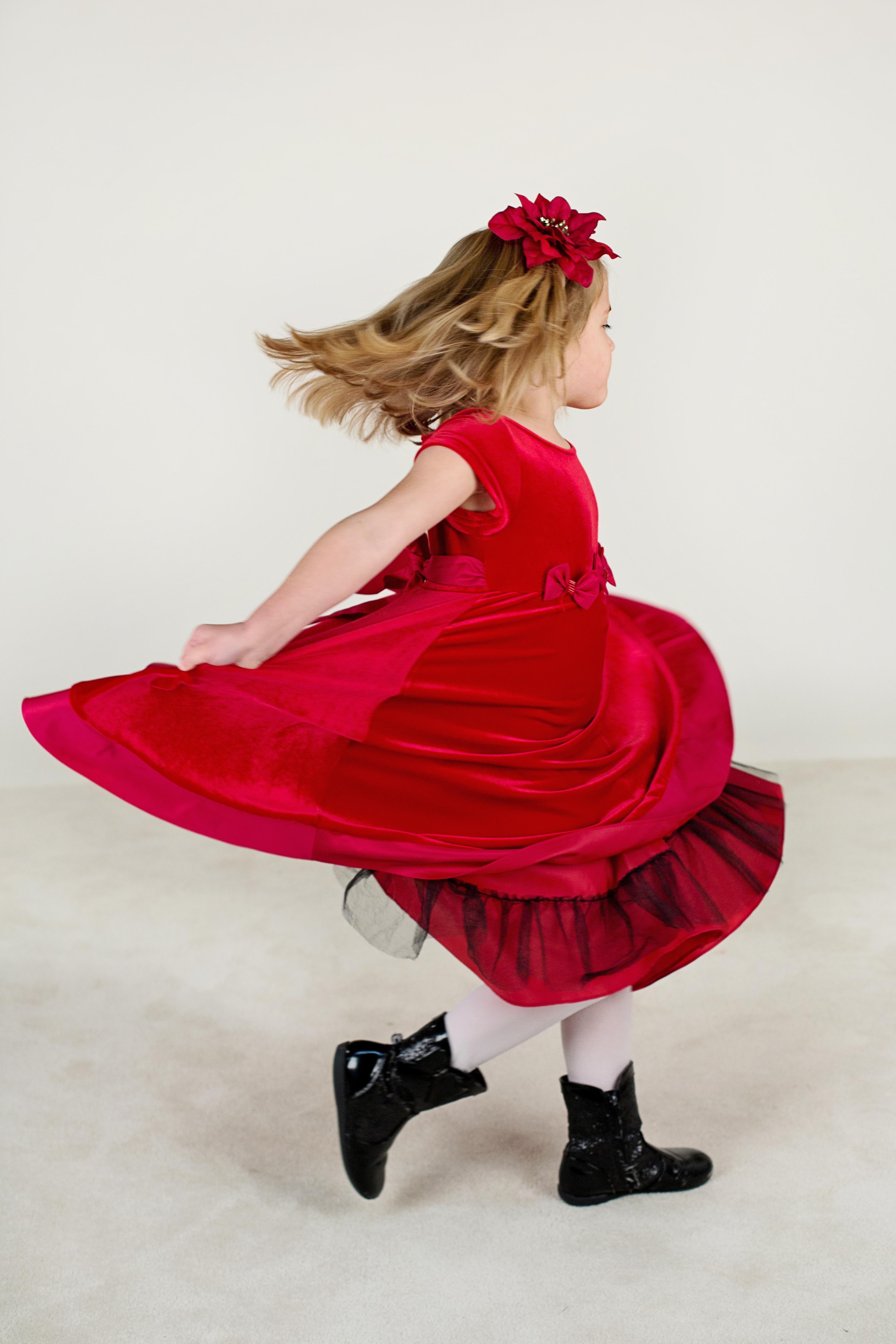 Darmowe Zdjęcia Dziewczyna Bieganie Uroczy Dziecko Różowy