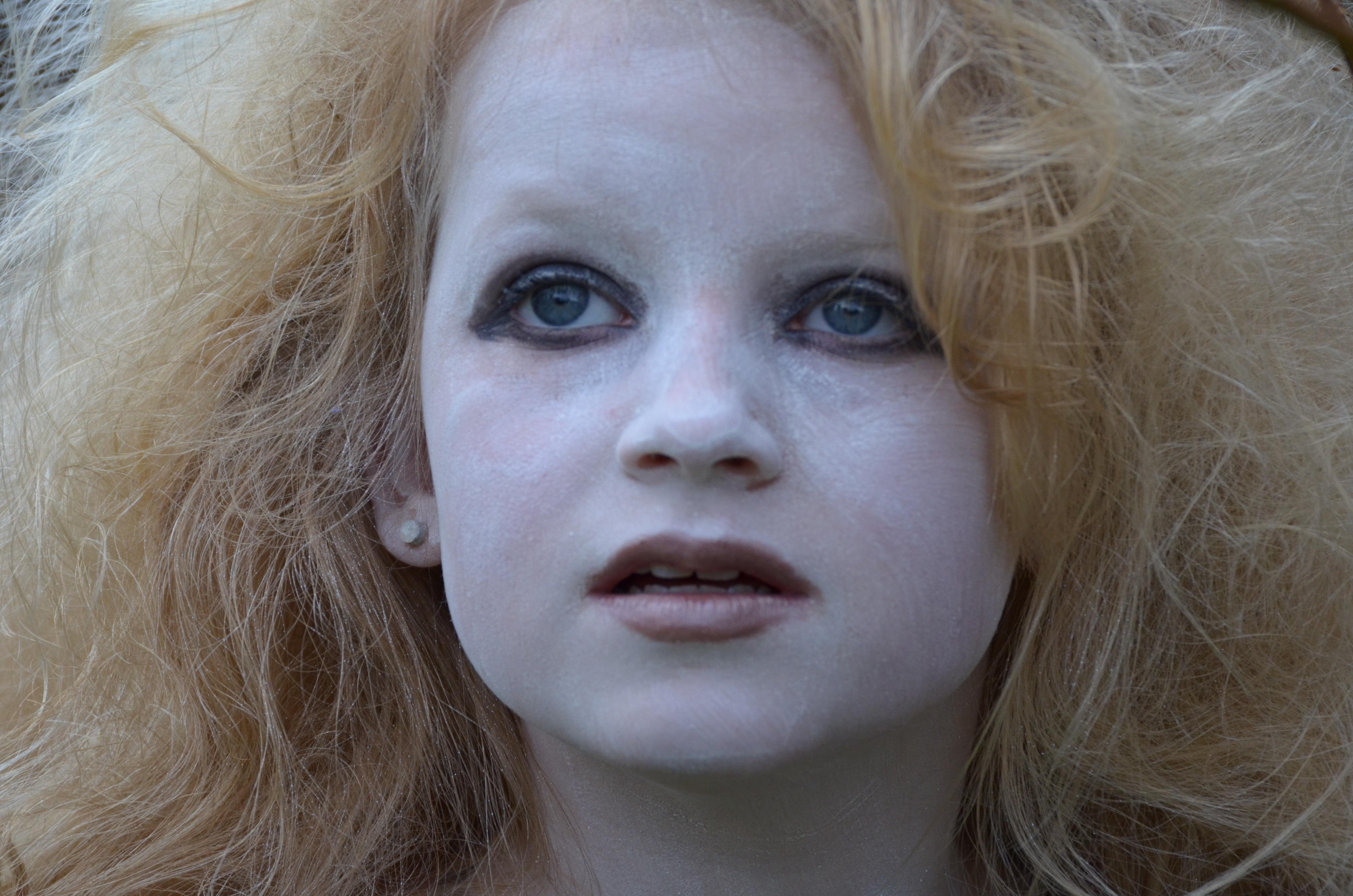 Images Gratuites Fille Femme Cheveux Blanc Jouer