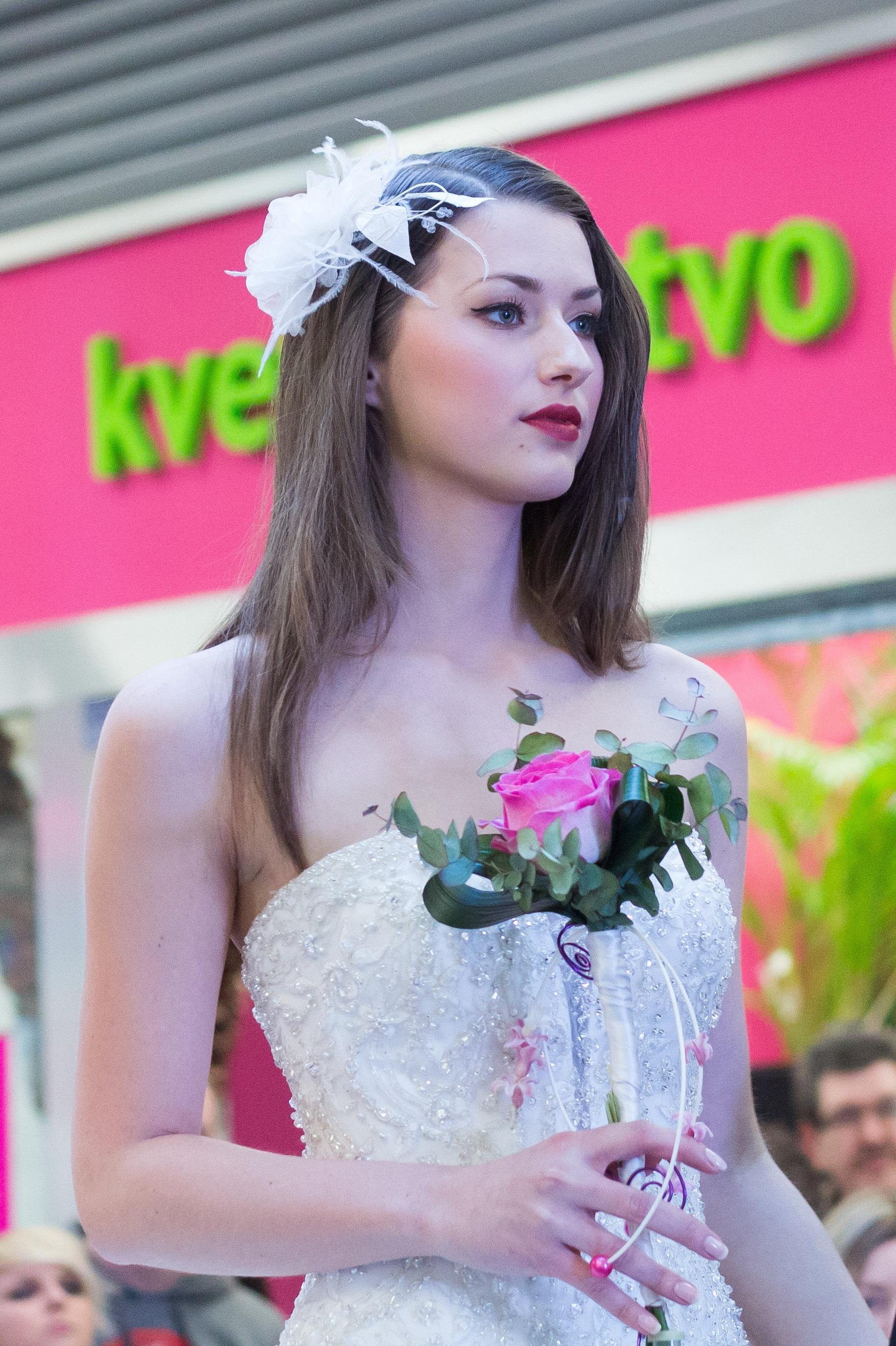 Kostenlose foto : Mädchen, Frau, Modell-, Mode, Kleidung, Dame, Rosa ...