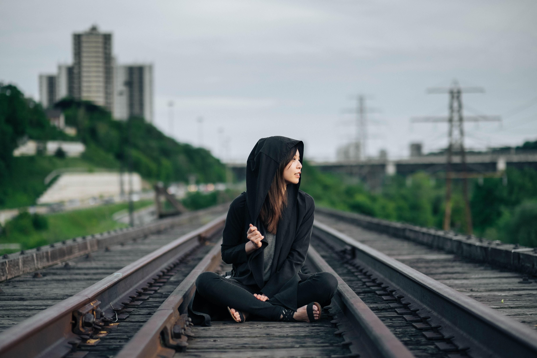 Азиатские девки на транспорте русские девушки сперме