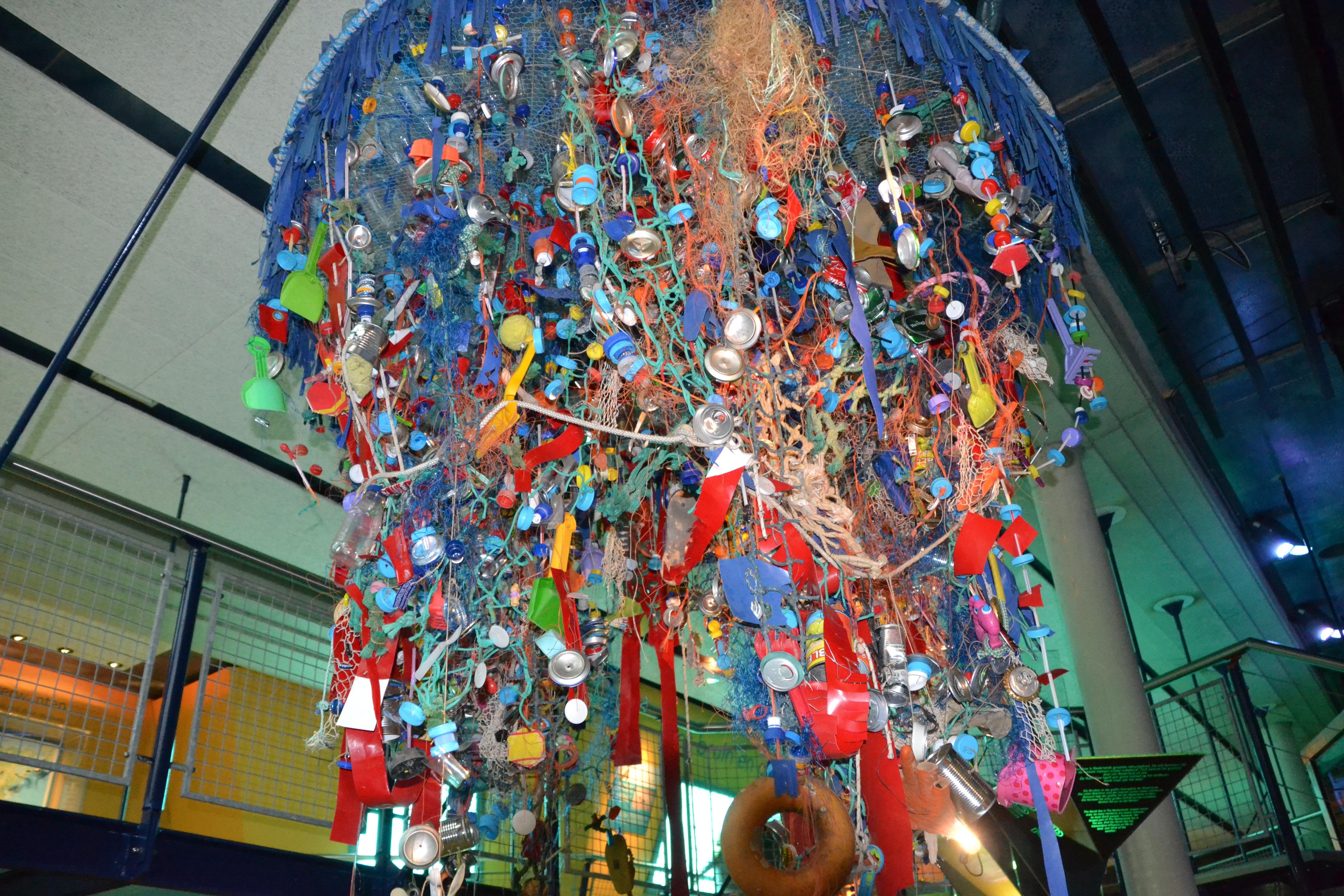 Citaten Kunst Yang Bagus : Gambar kaca warna gantung seni sampah laut utara