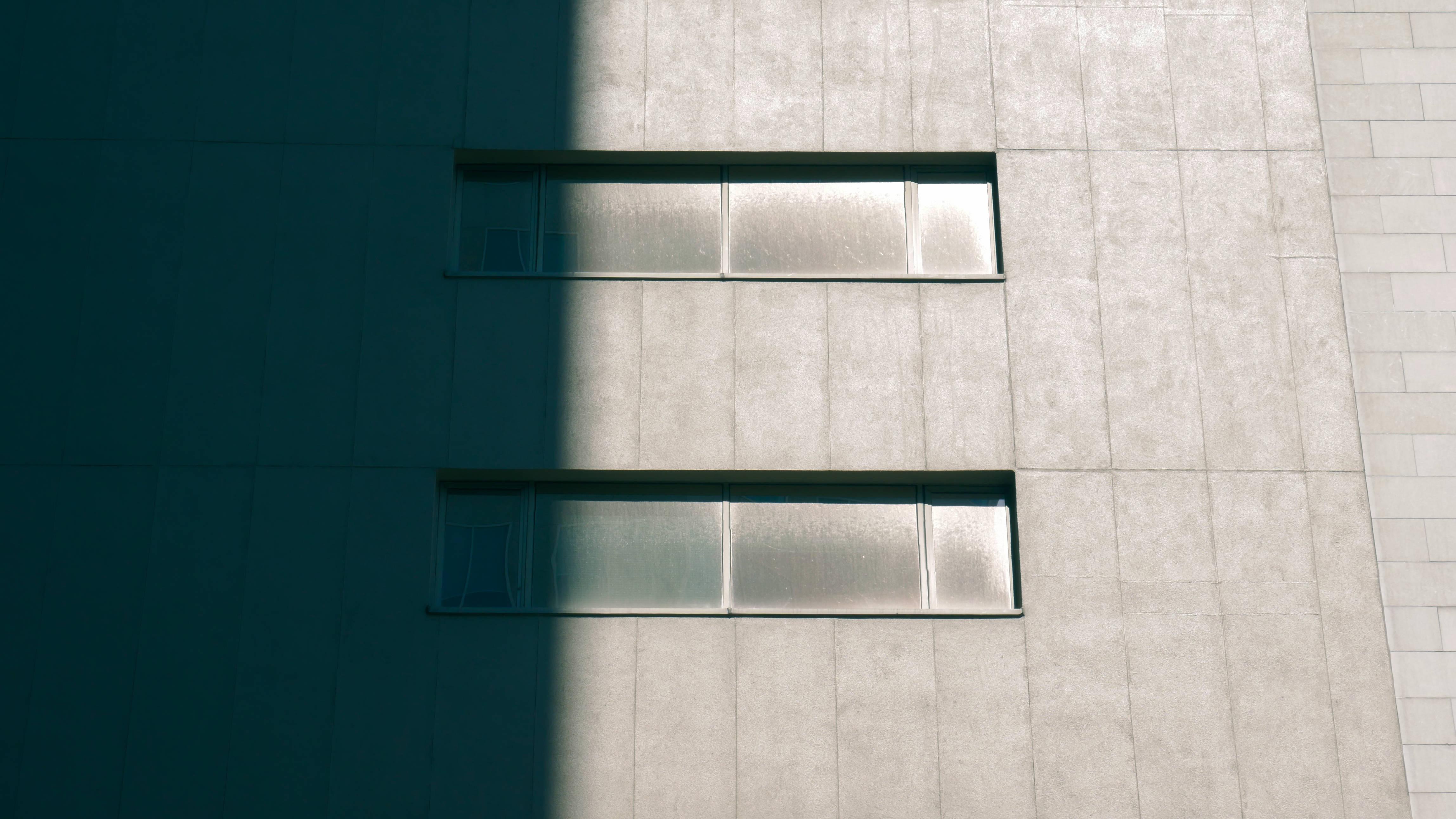 Immagini belle : bicchiere parete mensola mobilia illuminazione