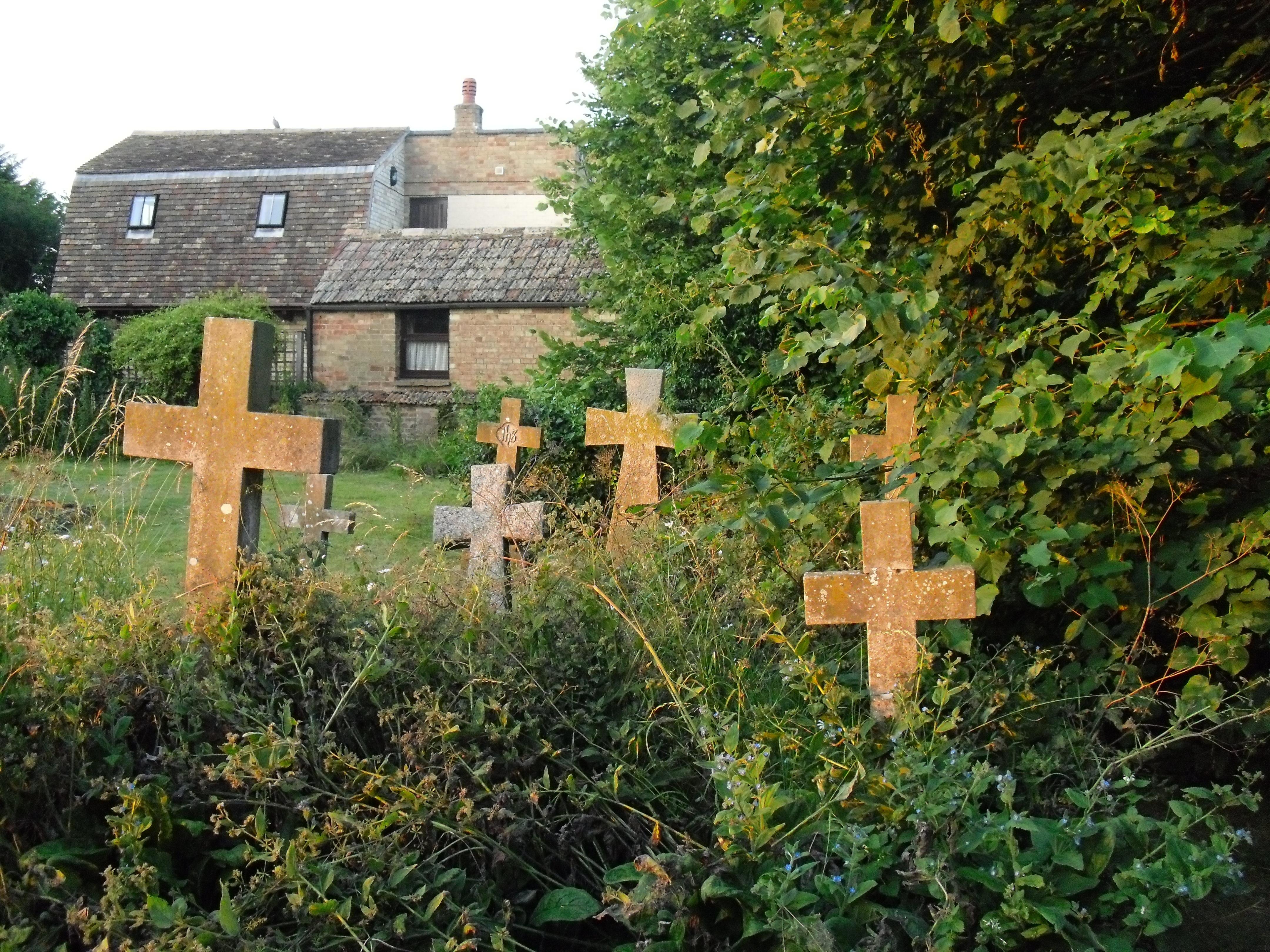 Fotos gratis c sped flor antiguo escalofriante for Cementerio jardin memorial