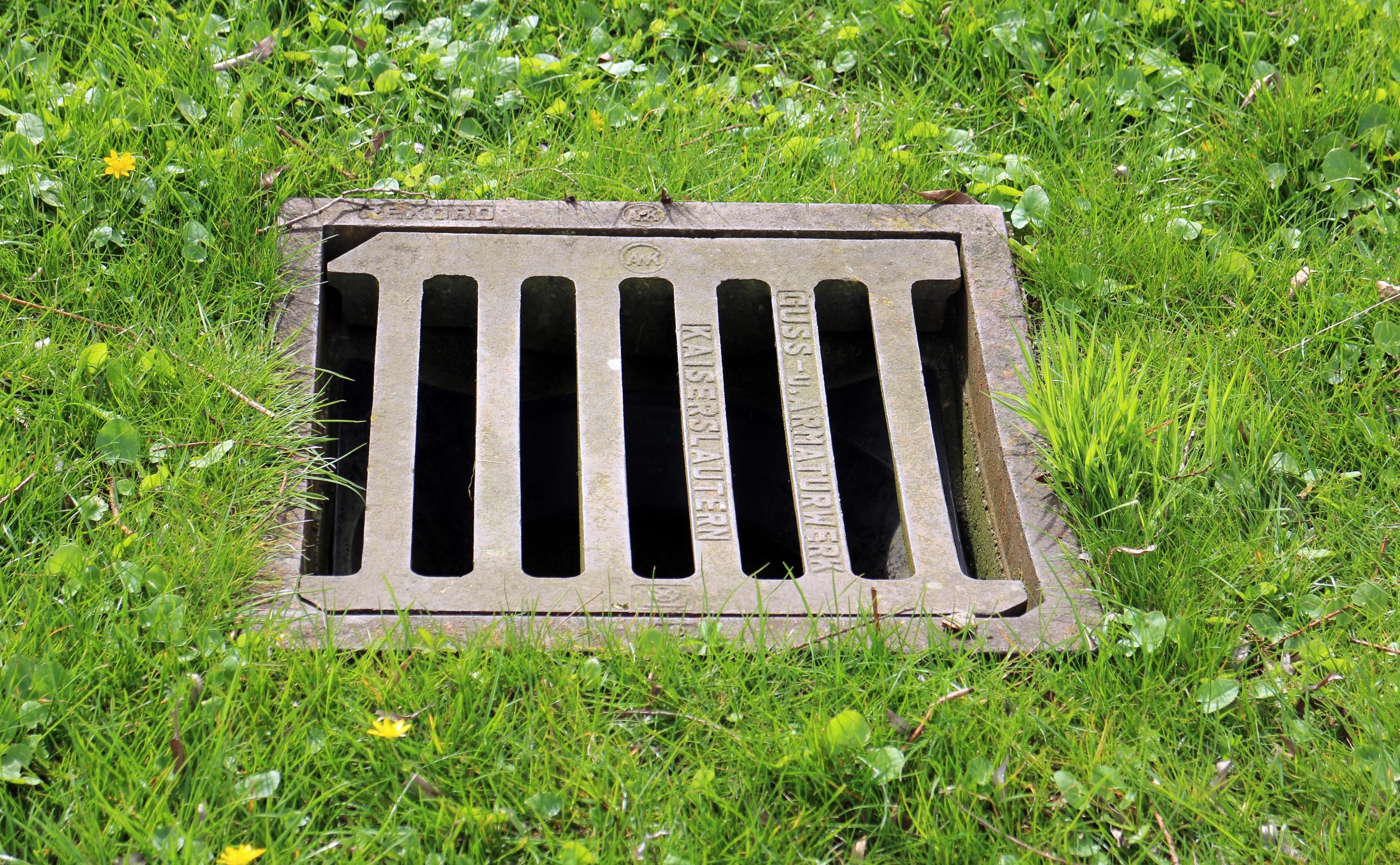 Grass Lawn Backyard Garden Channel Yard Manhole Covers Sewage System  Wastewater Gullideckel Gulli