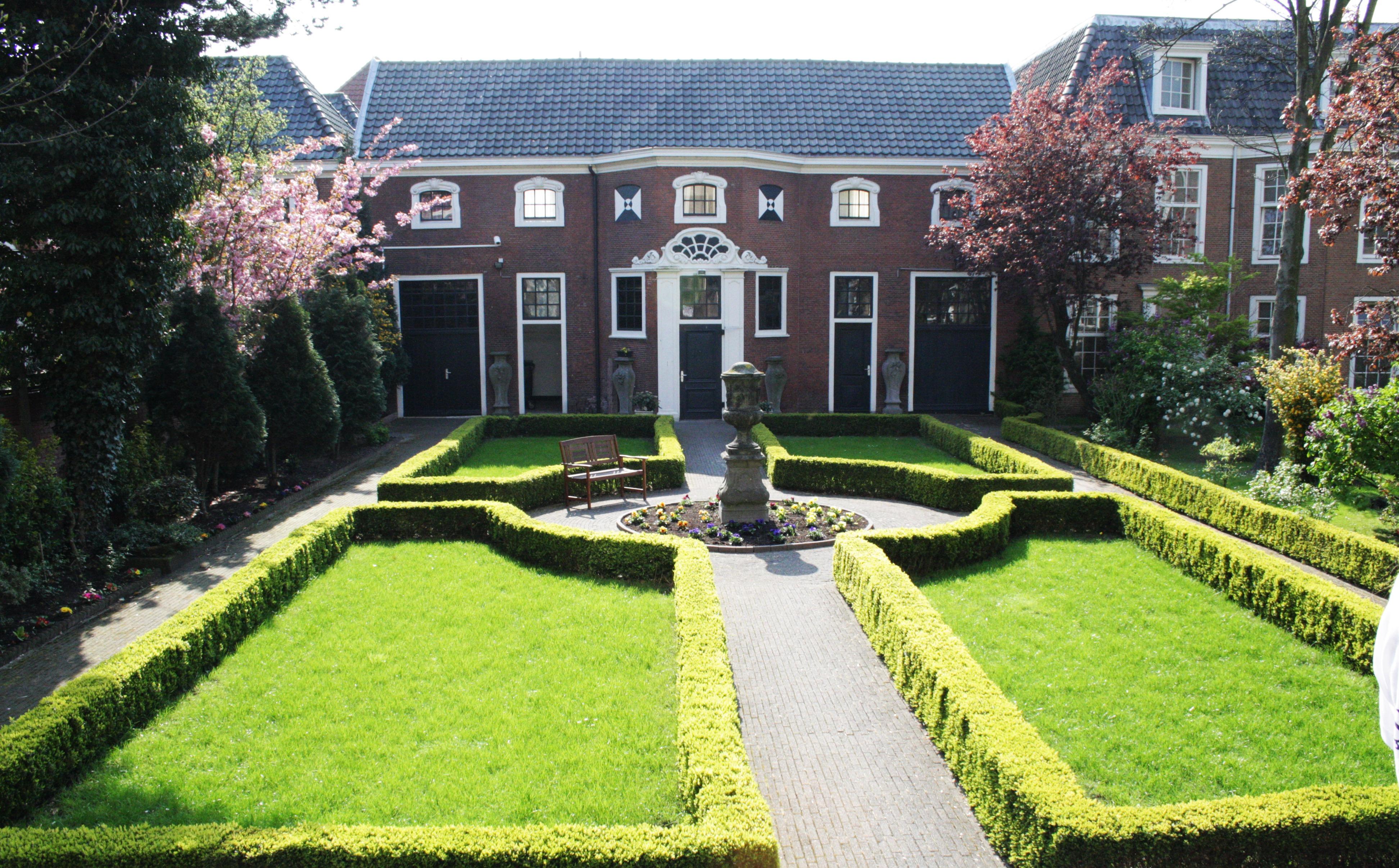 fotos gratis csped palacio pasarela verano ambiente verde patio interior residencia propiedad jardn paisajismo lujo arbusto inmuebles