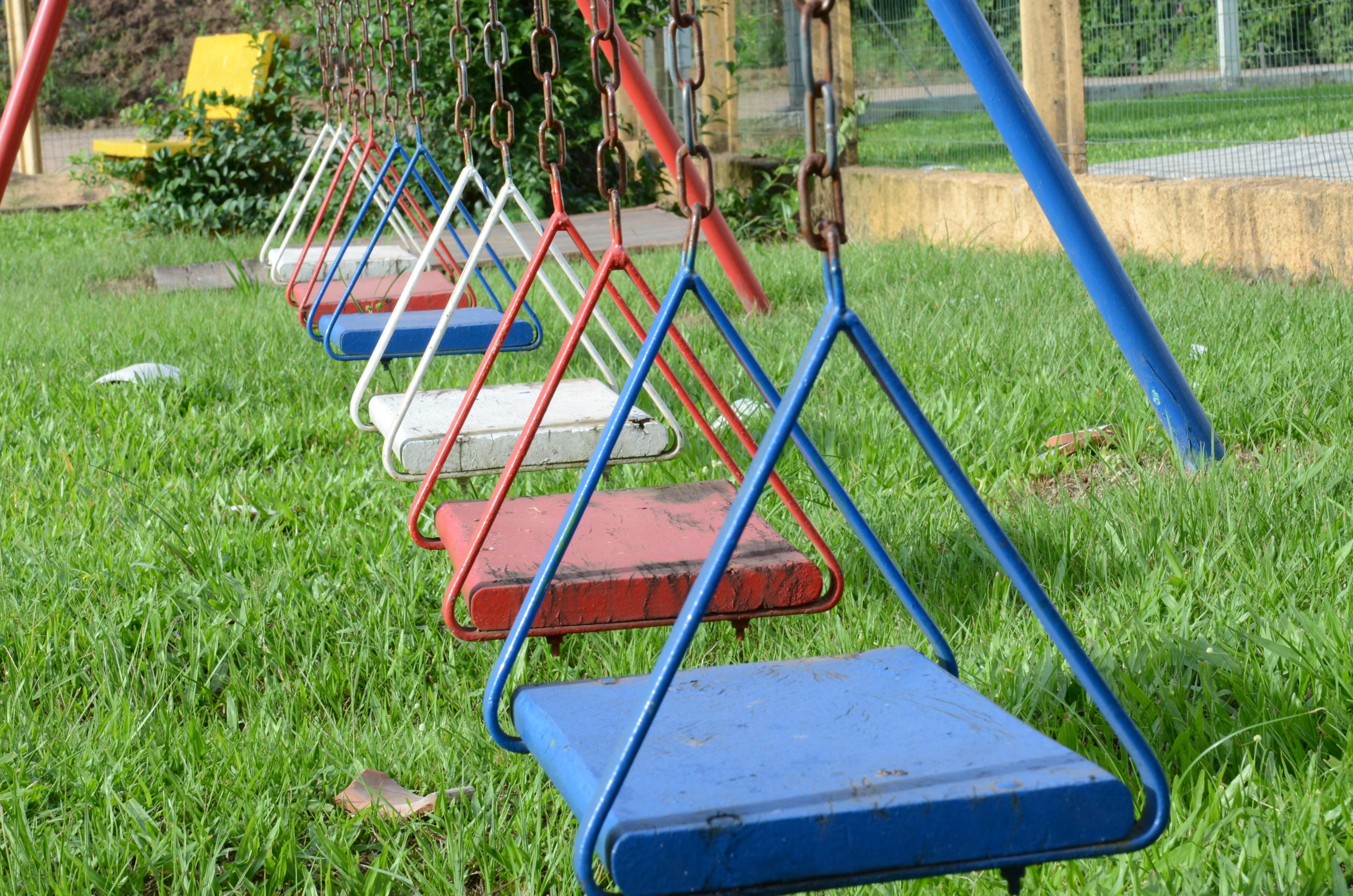 Free grass lawn city balance backyard child swing