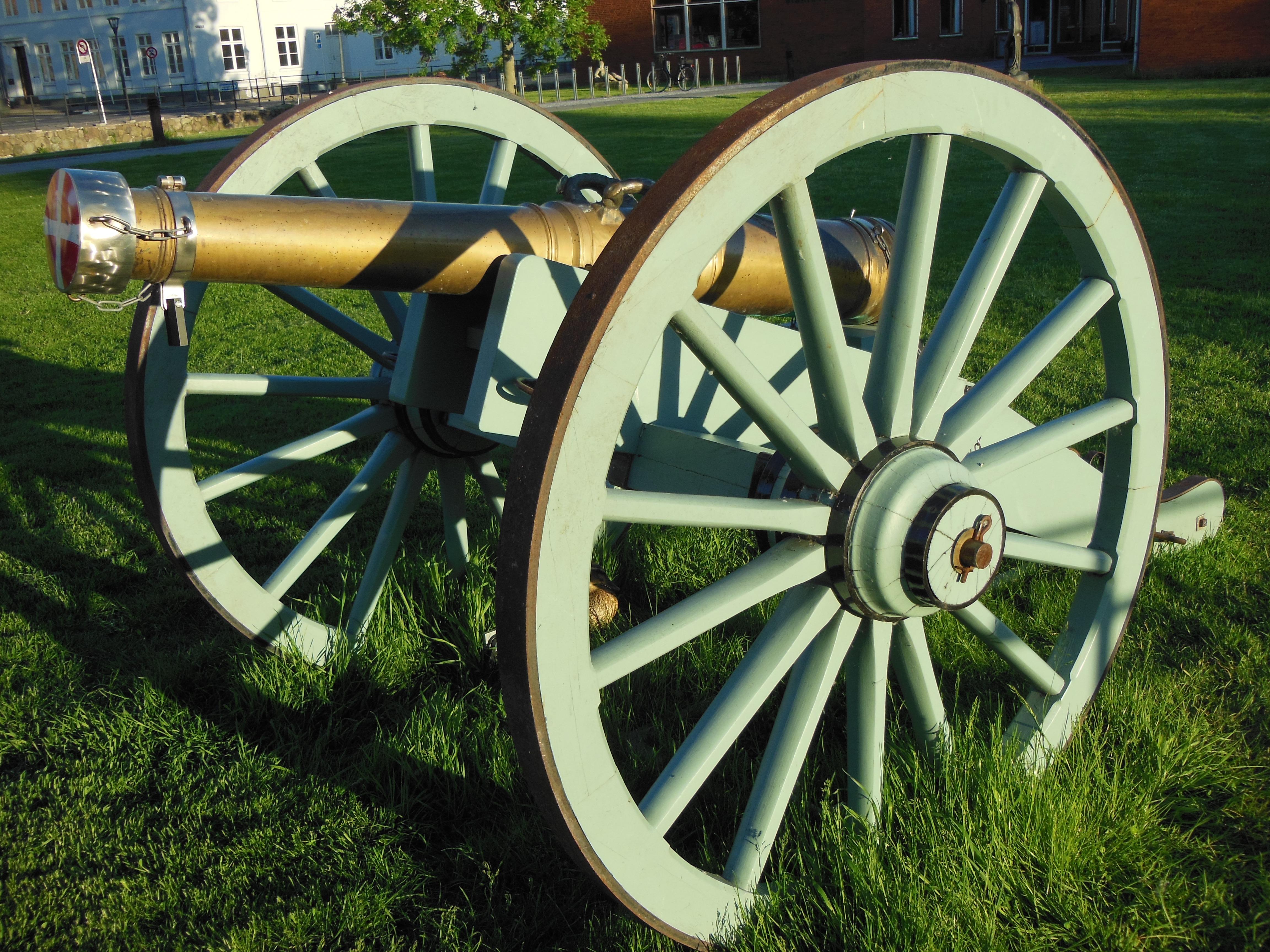 удивительные бронзовые пушки фото только проявить фантазию
