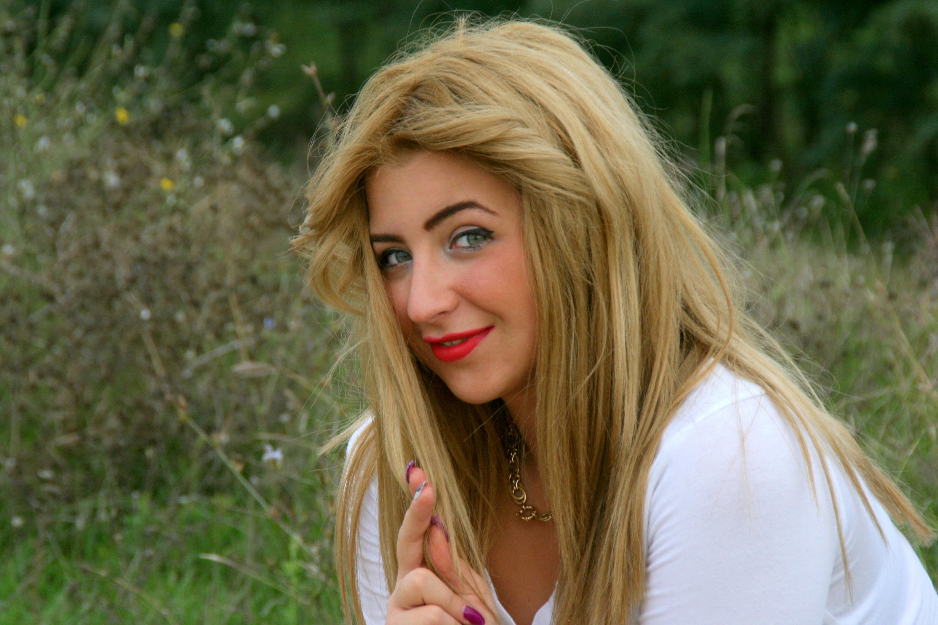 Yeşil gözlüler için saç rengi seçimi