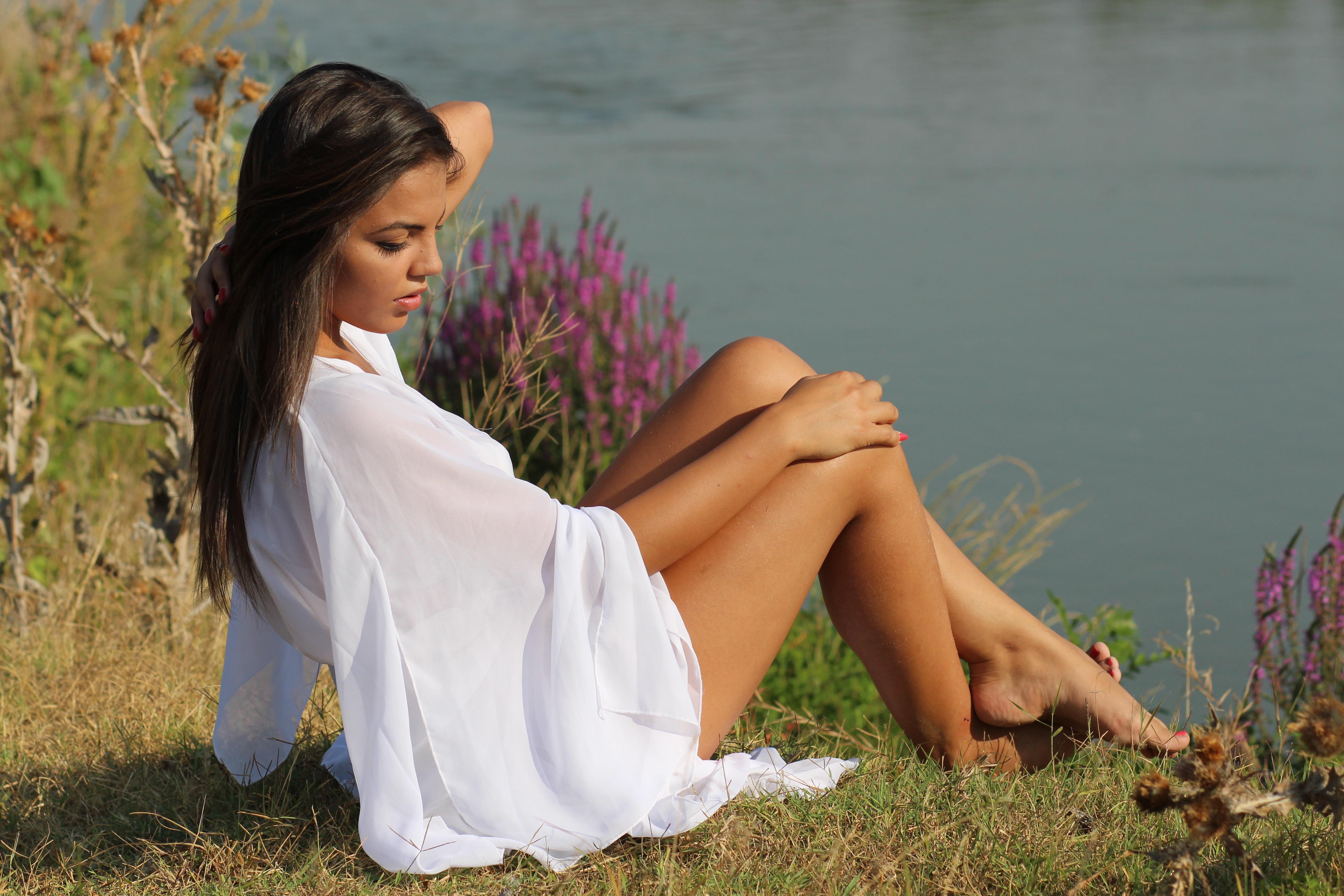 Fashion White Dress Girl