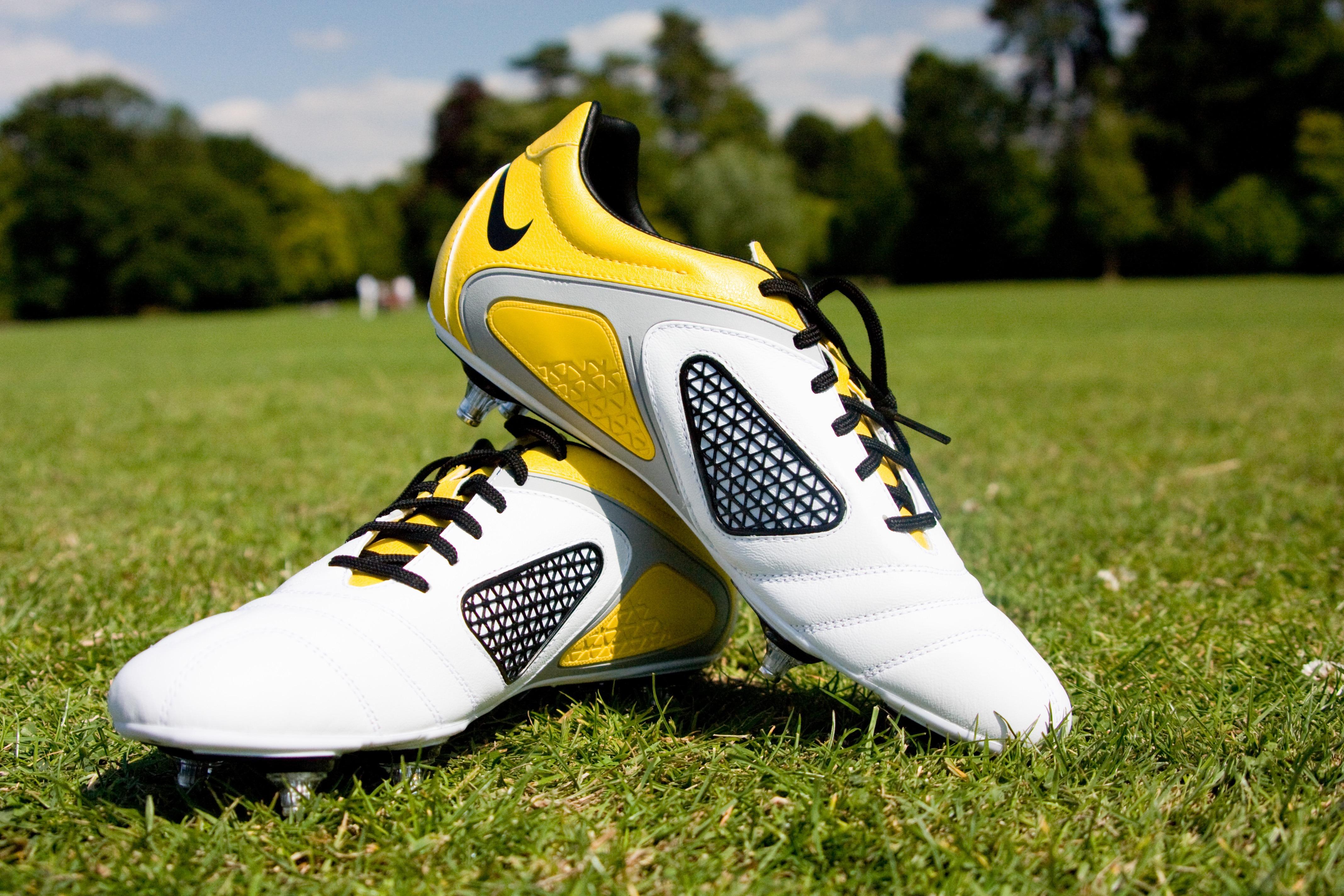 Pelotas Y Chimpunes Nike Hd 1280x768: Free Images : Grass, Shoe, White, Sport, Field, Lawn, Cup