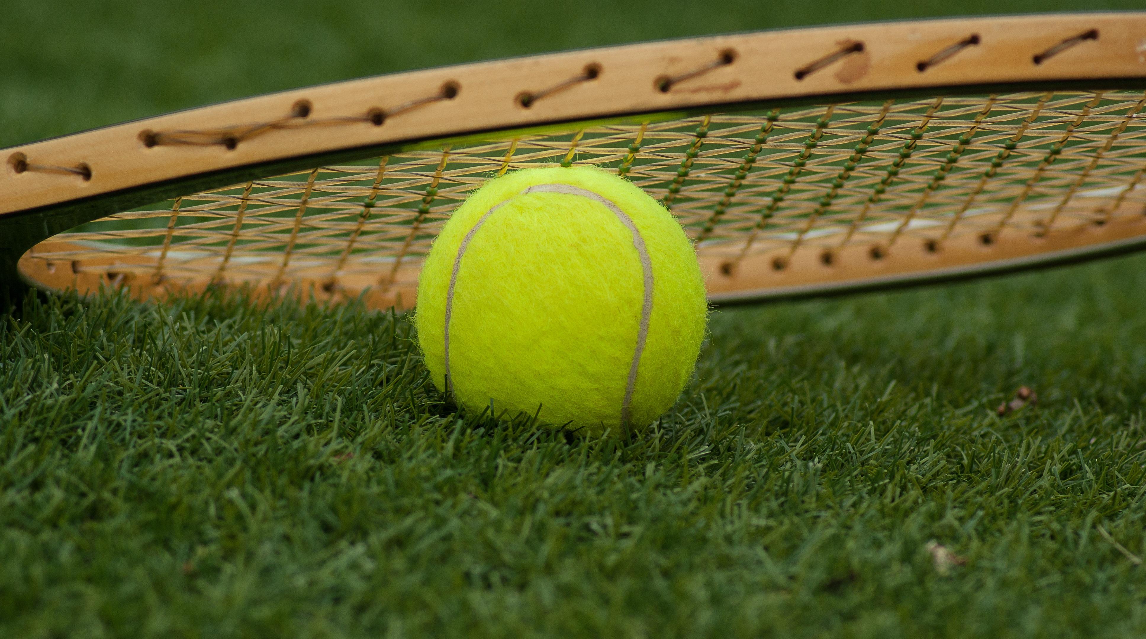 792e5d3b gress sport grønn baseballbane sportsutstyr tennis nett ball rekkert  tennisball tennisracket tilbehør