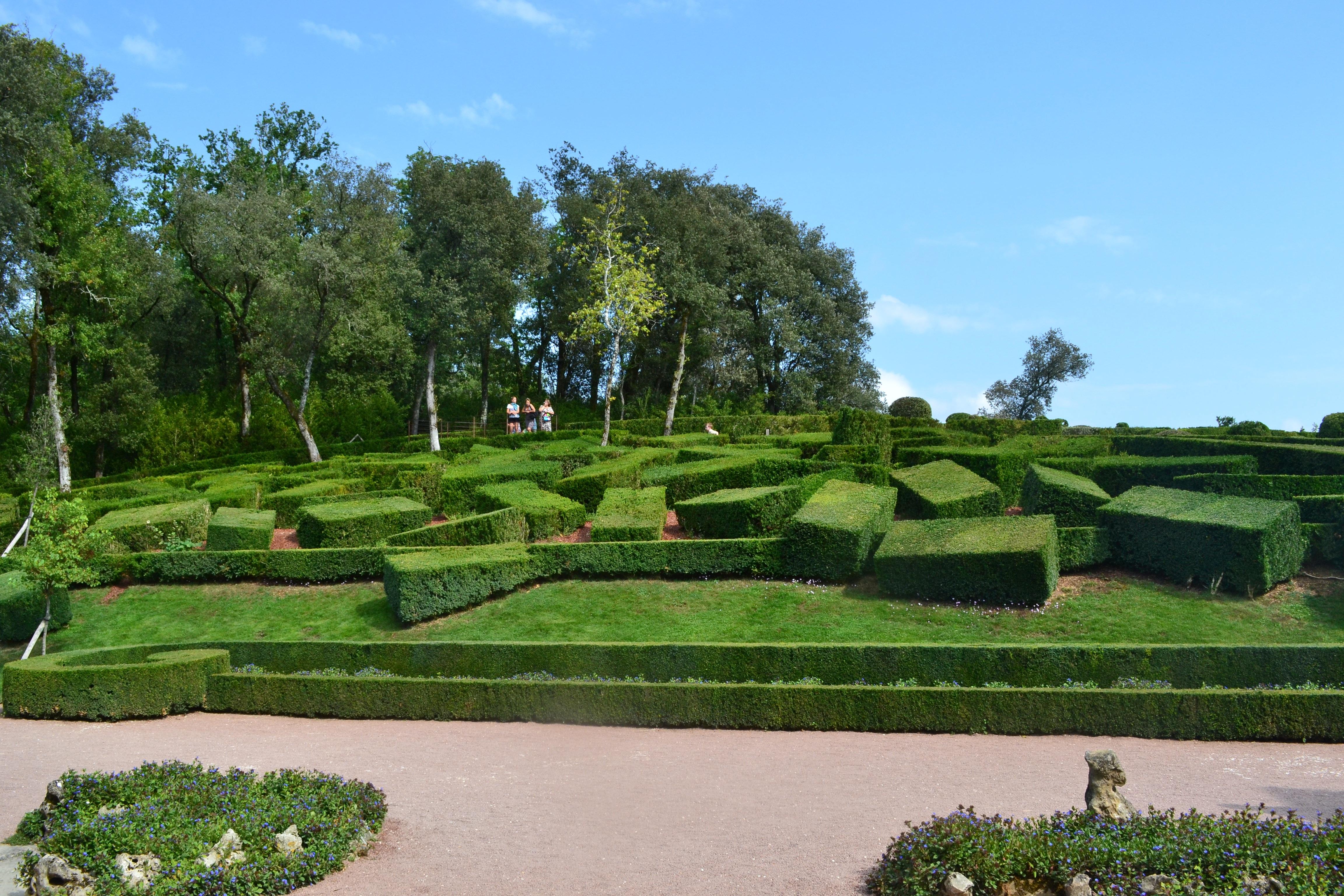 grass structure lawn france garden golf course shrub maze botanical garden estate dordogne aquitaine french garden