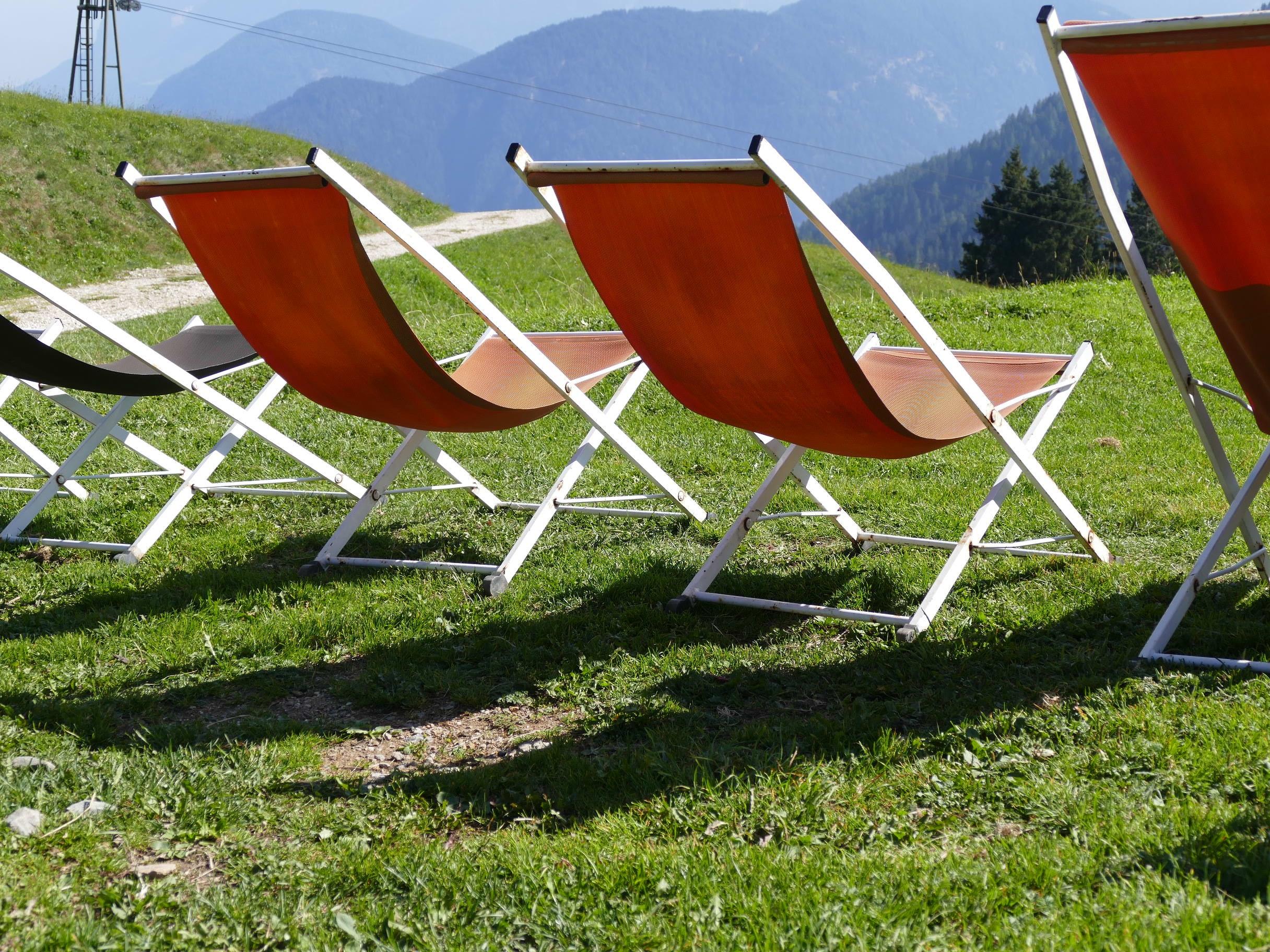 Fotos gratis : césped, luz de sol, primavera, vehículo, descanso ...