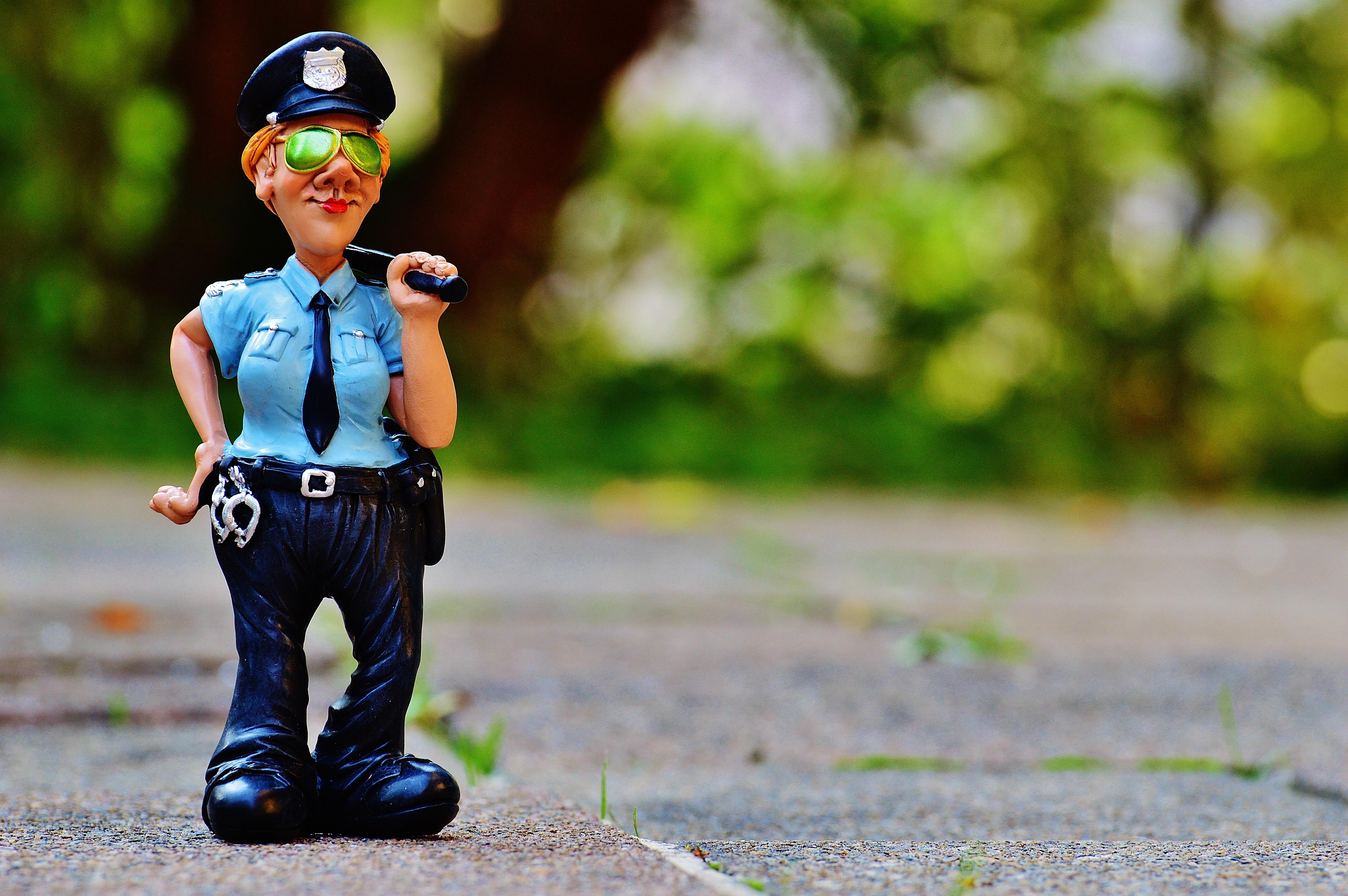 Зайчиками, смешная картинка с полицейским