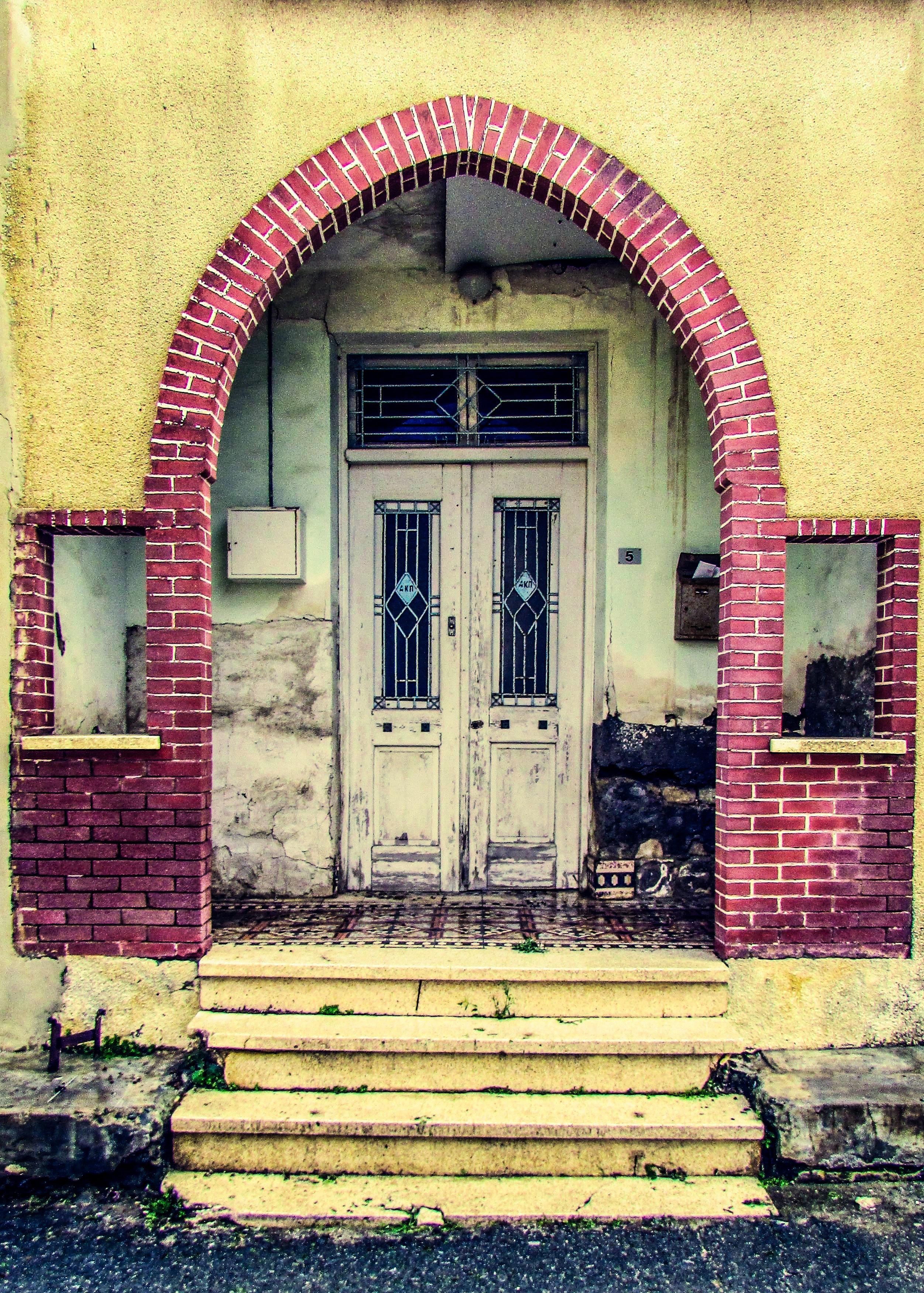 Grungy Die Architektur Haus Fenster Zuhause Mauer Dorf Bogen Rot Eingang  Farbe Fassade Verlassen Dreckig Grunge