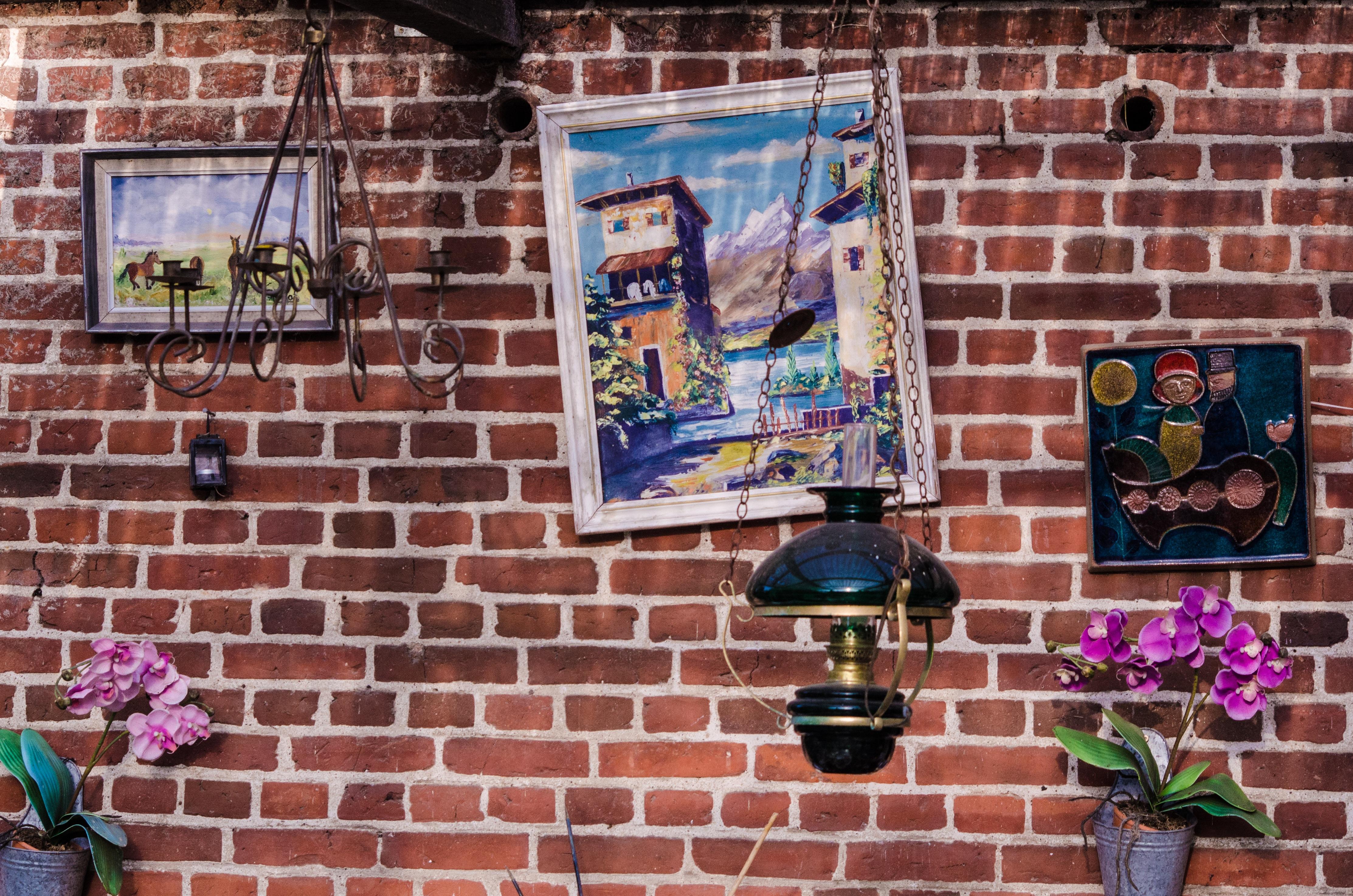 Grafiti wall red - Grungy Street Vintage Flower Window Home Wall Red Color Brick Graffiti Painting Street Art Living Art