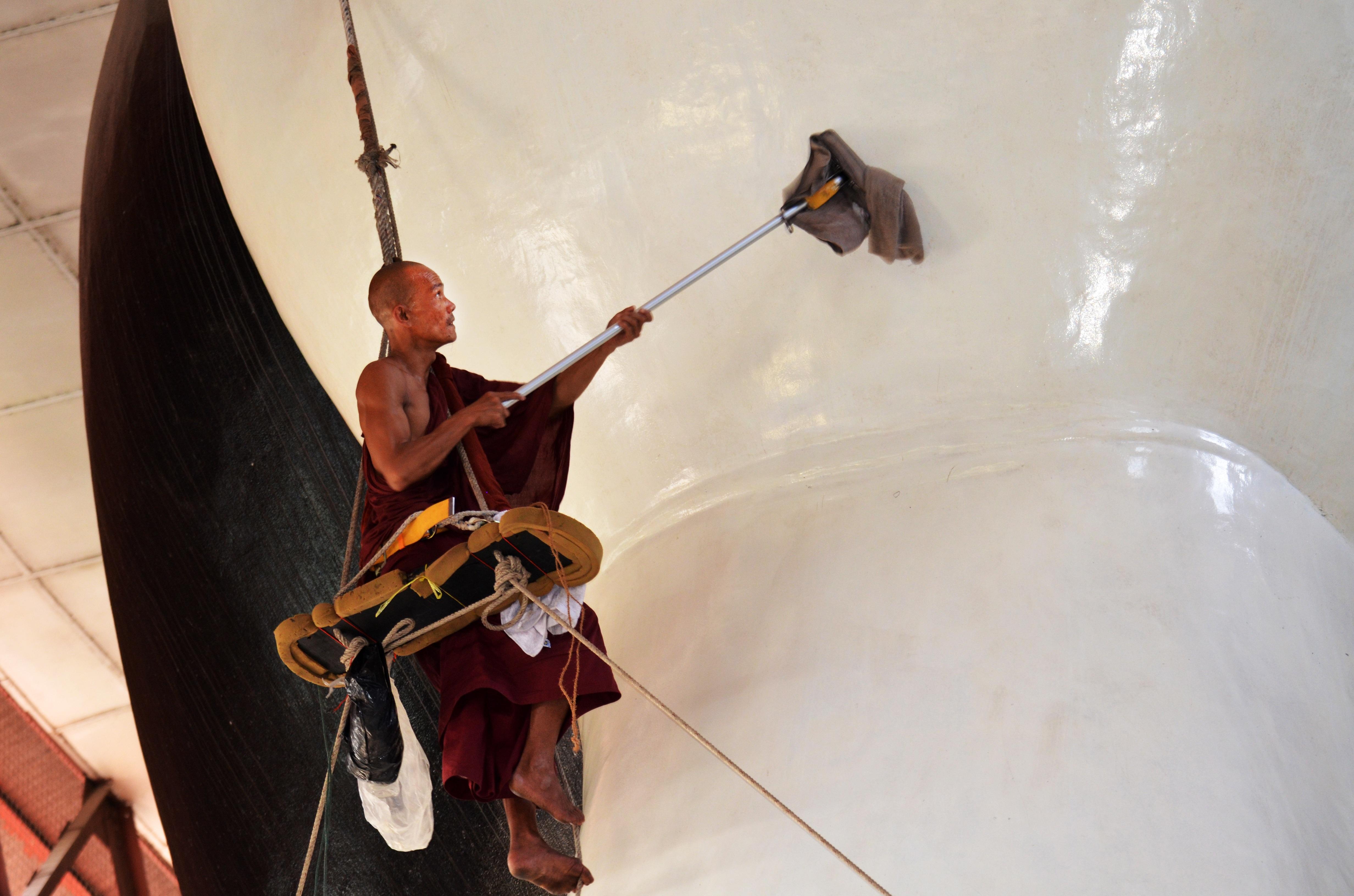 Gambar Gitar Pembersih Alat Musik Budha Selo Buddha Cleaner