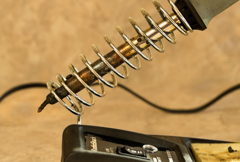 Bildet gitar, spiral, verktoy, verksted, elektrisk, metall, n u00e6rbilde, ledning, varmt, diagonal
