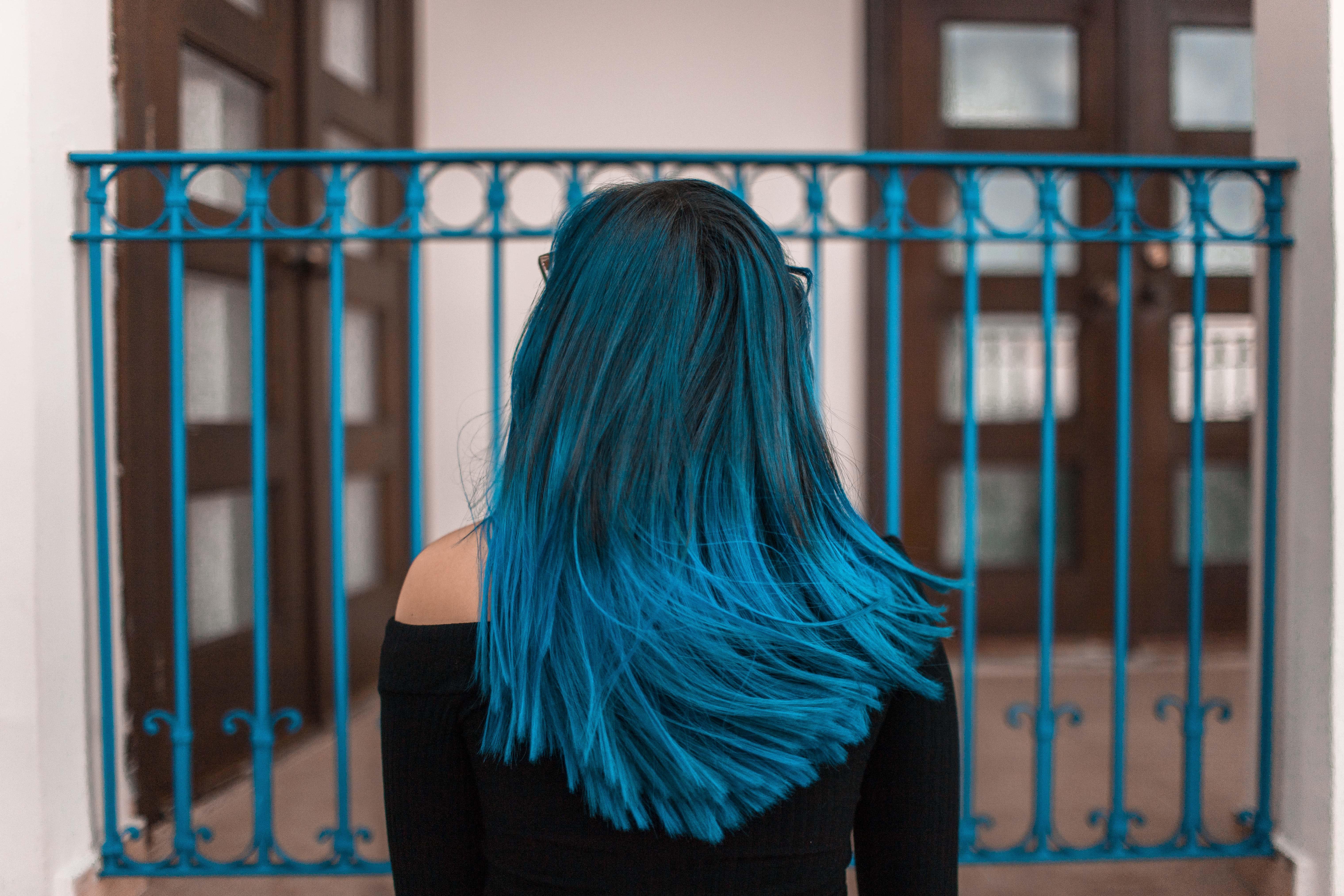 образ прикольные картинки юлька с синими волосами знаю