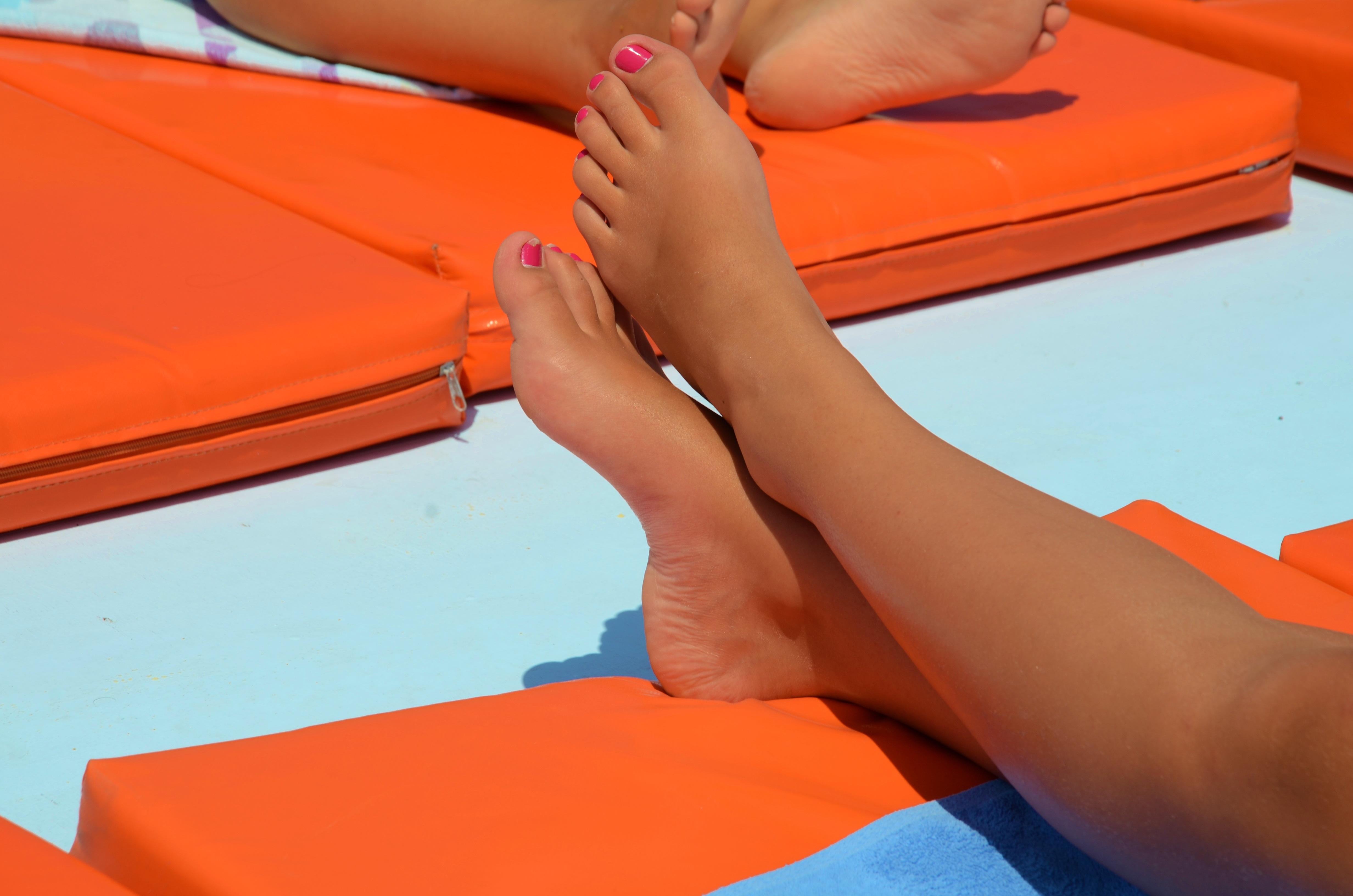 free images : hand, beach, feet, summer, female, leg, foot, holiday