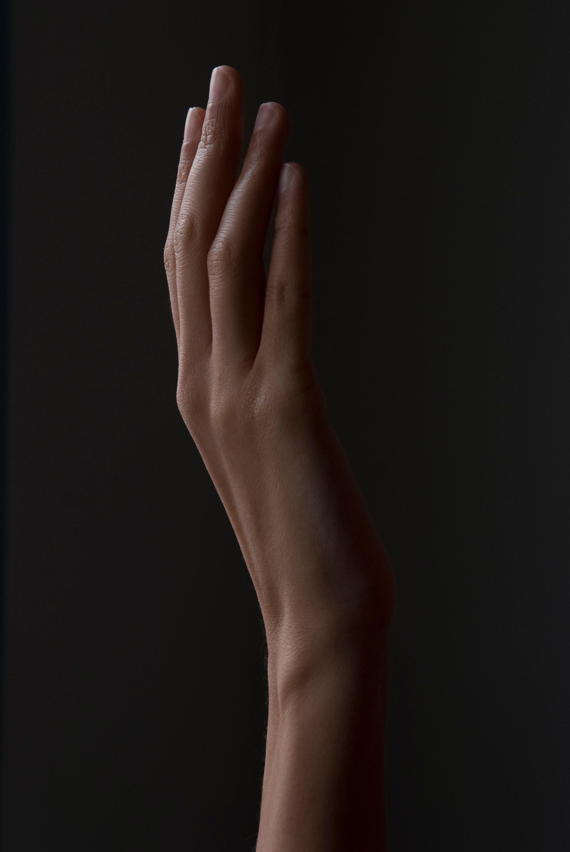 Левая женская рука картинки