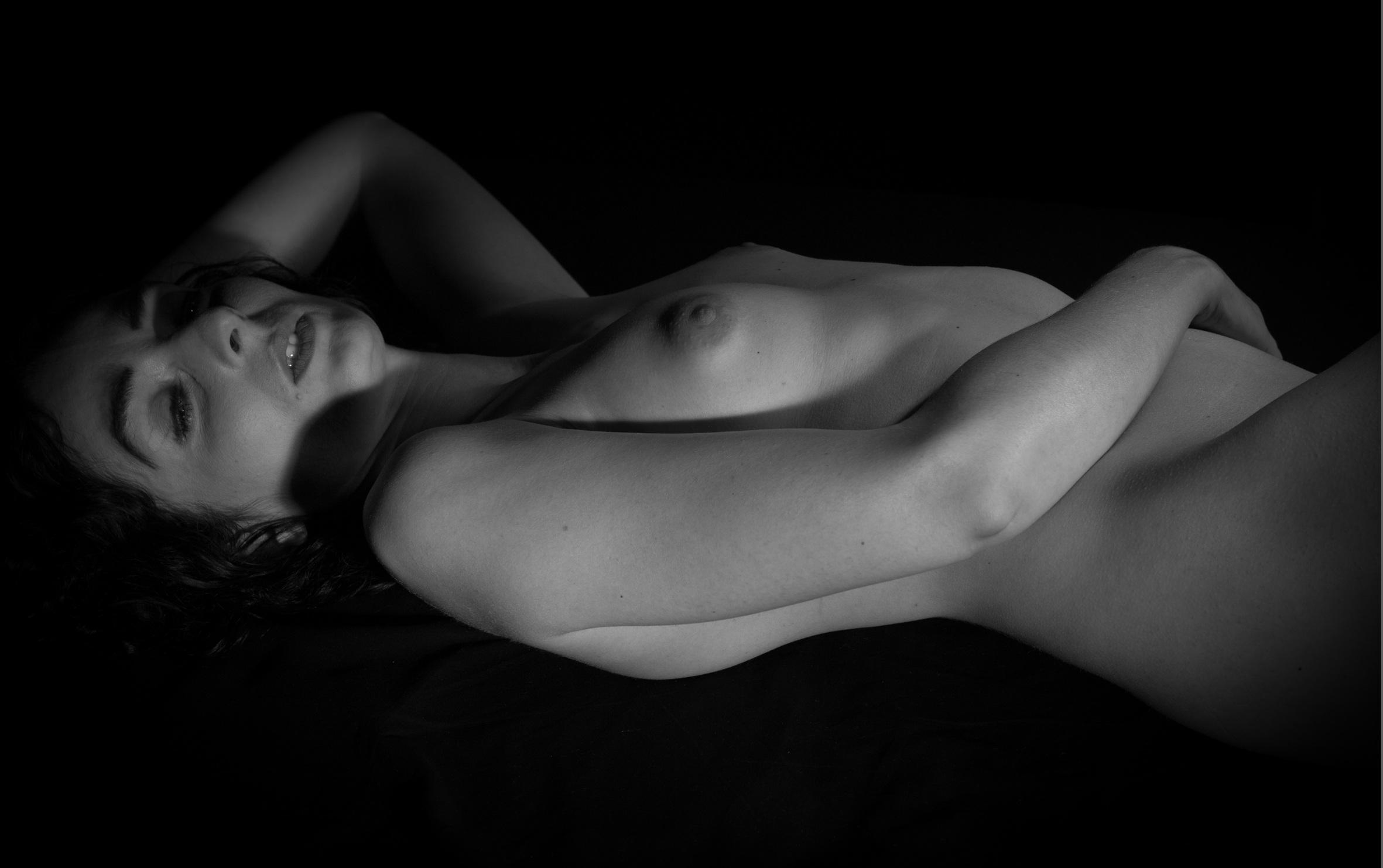 nøgne model fotograferinggay porn shower scene