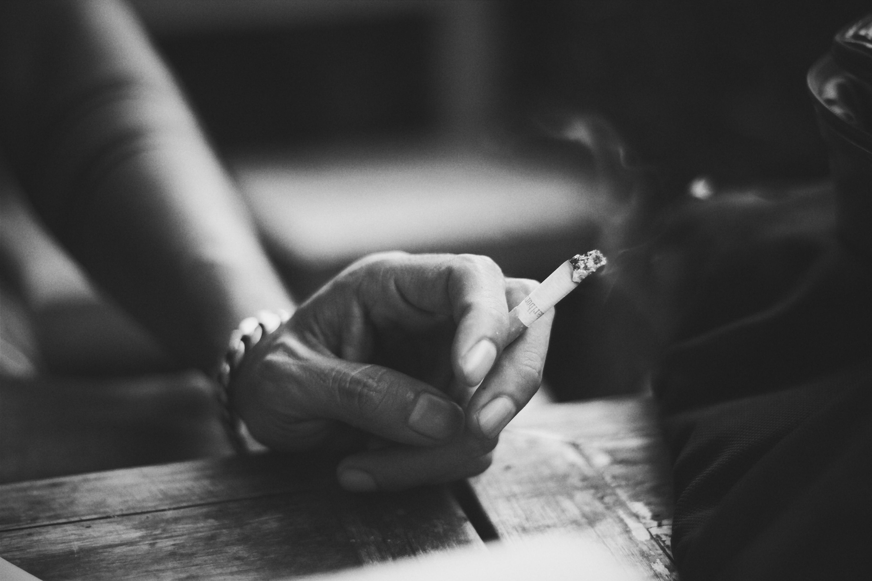 Сигарета картинки черно