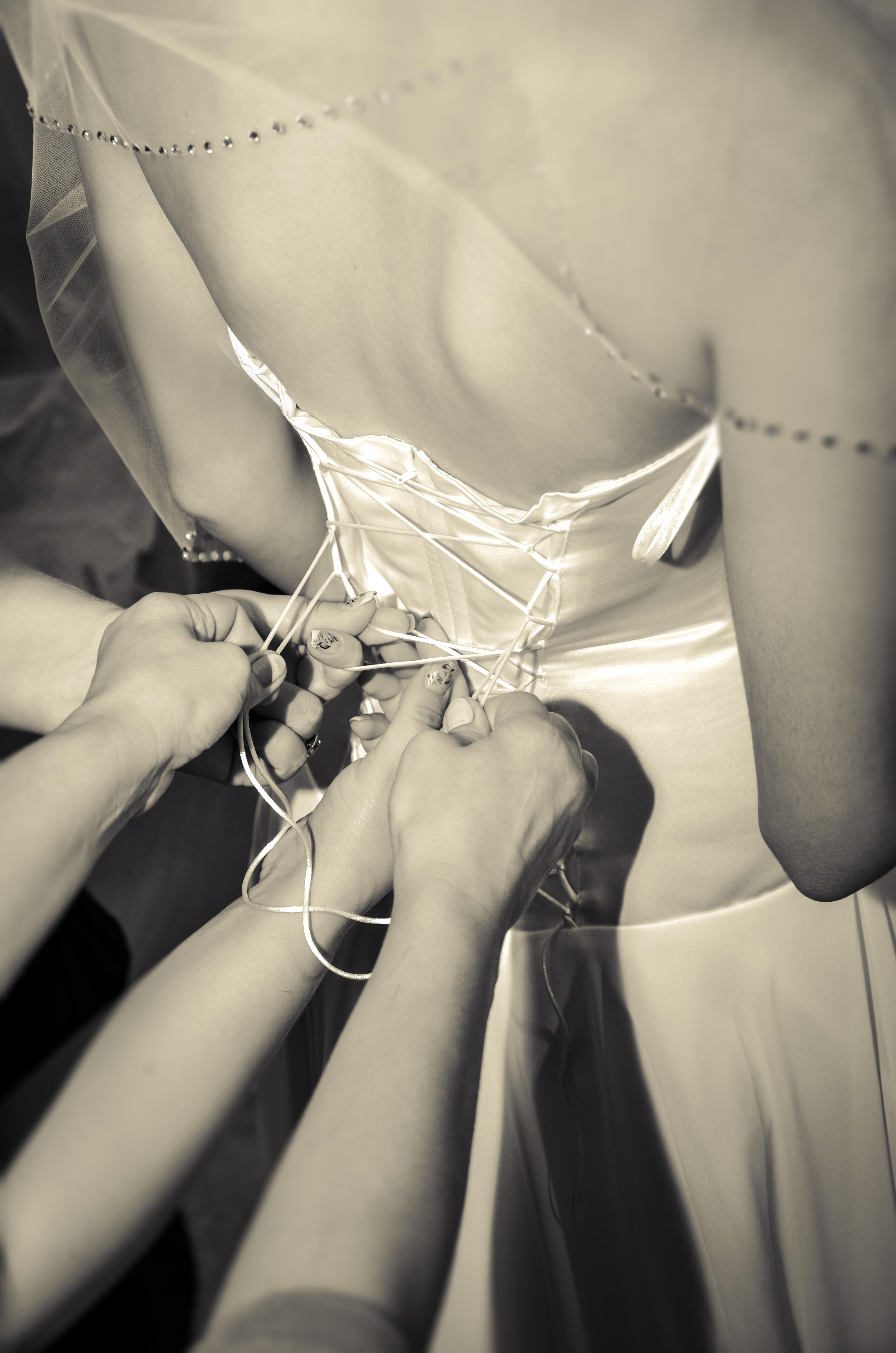 c7422d65 Bildet : hånd, svart og hvit, kvinne, bein, kjærlighet, modell, mote, klær,  dame, væpne, bryllup, brud, ekteskap, bryst, nærbilde, undertøy, kjole, ...