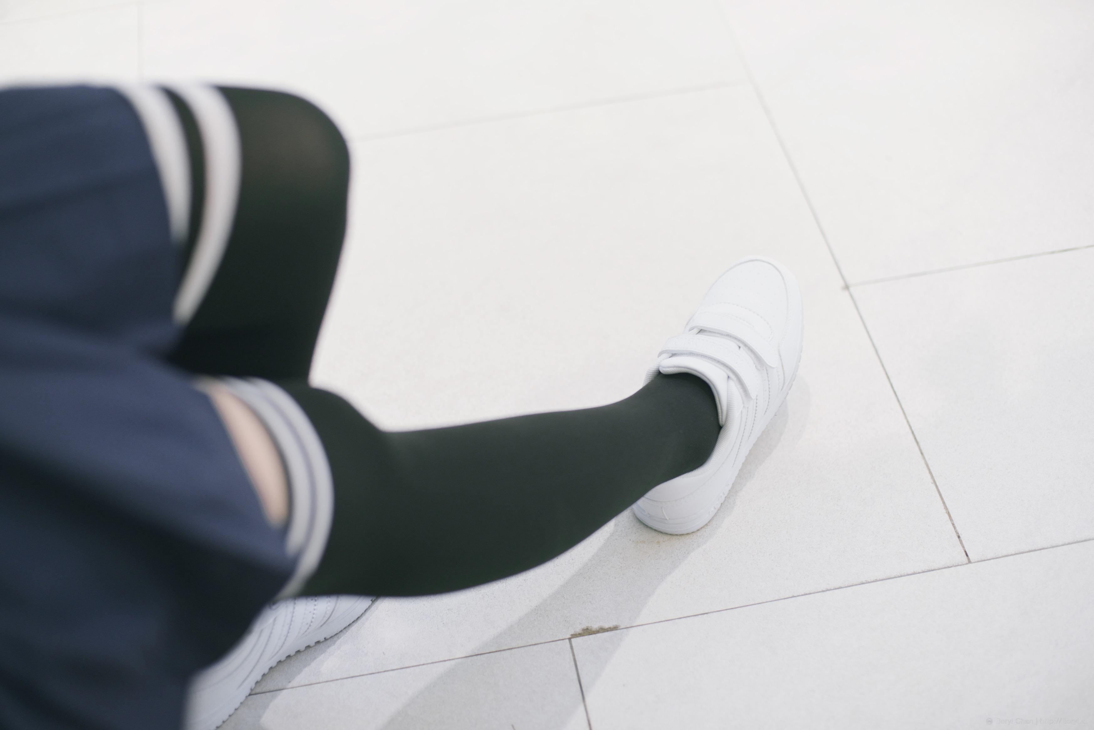 Asiatica con cuerpo de niña calcetines de colegiala-18928